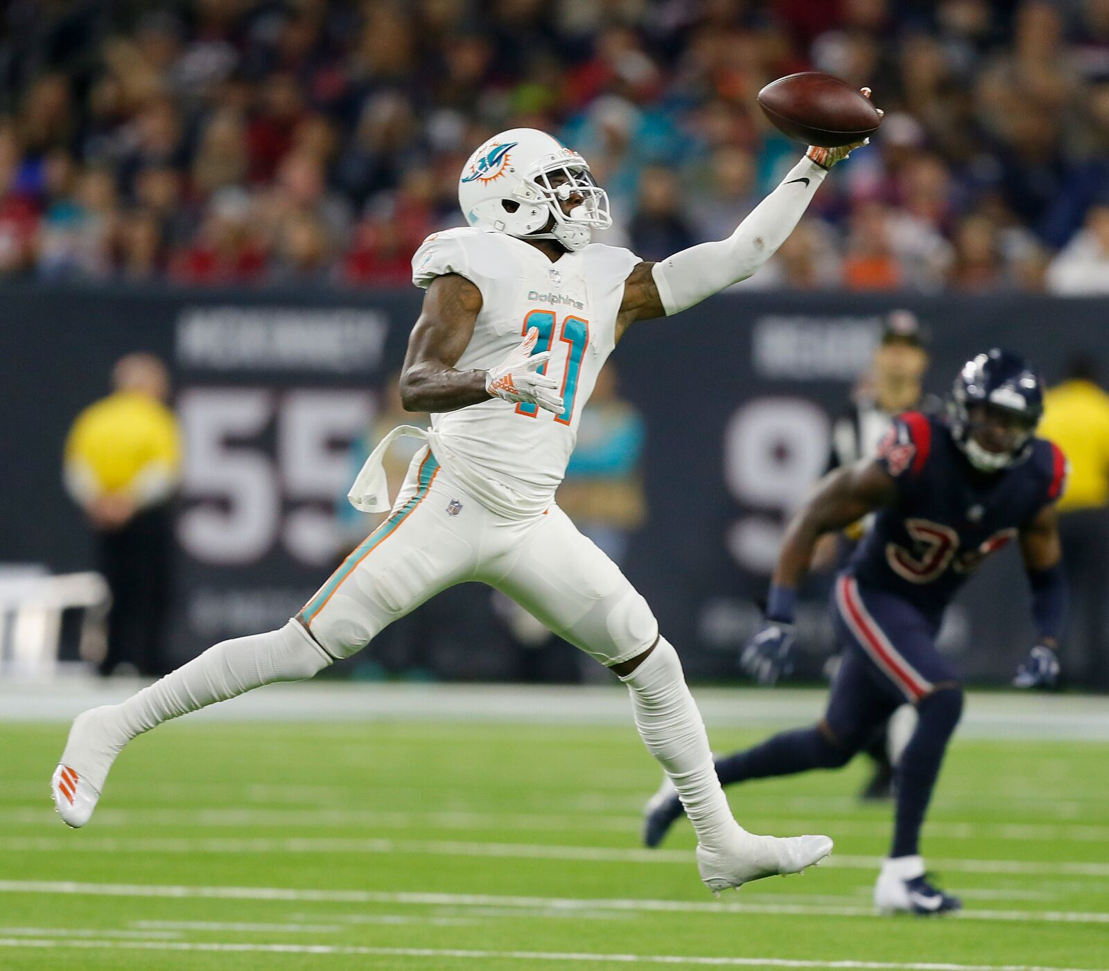 Miami Dolphins should trade DeVante Parker to the 49'ers