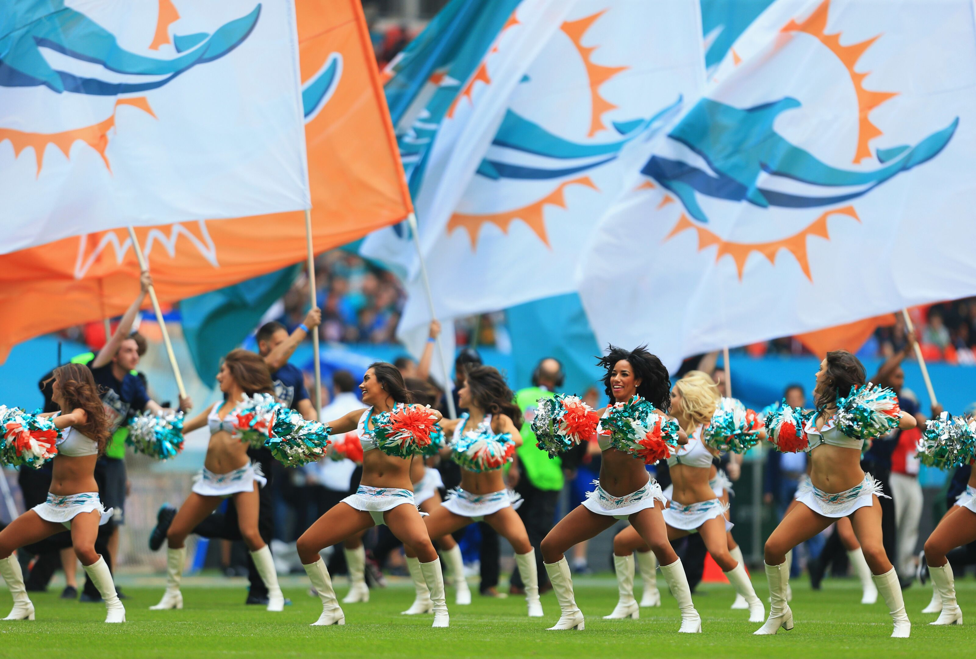 Miami Dolphins take on high-school concussions in new initiative