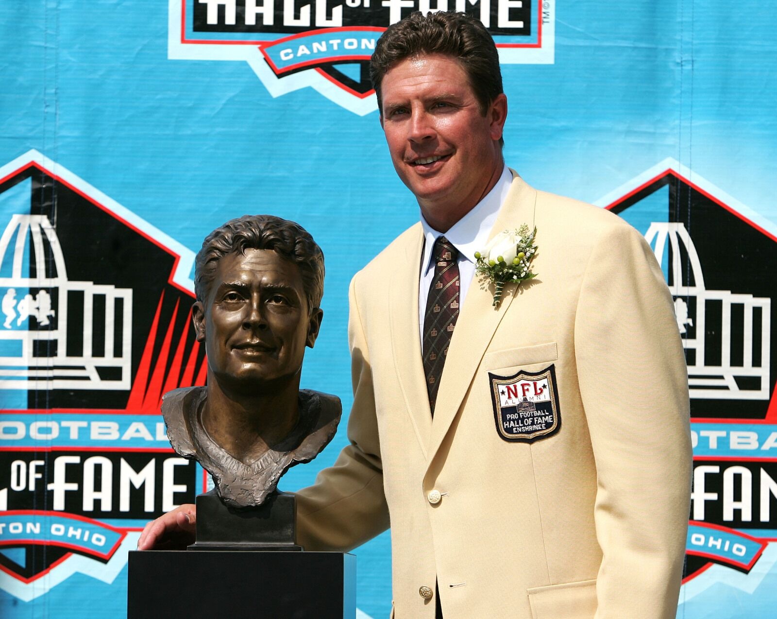2b0360b4 Why didn't the Miami Dolphins win more with Dan Marino?