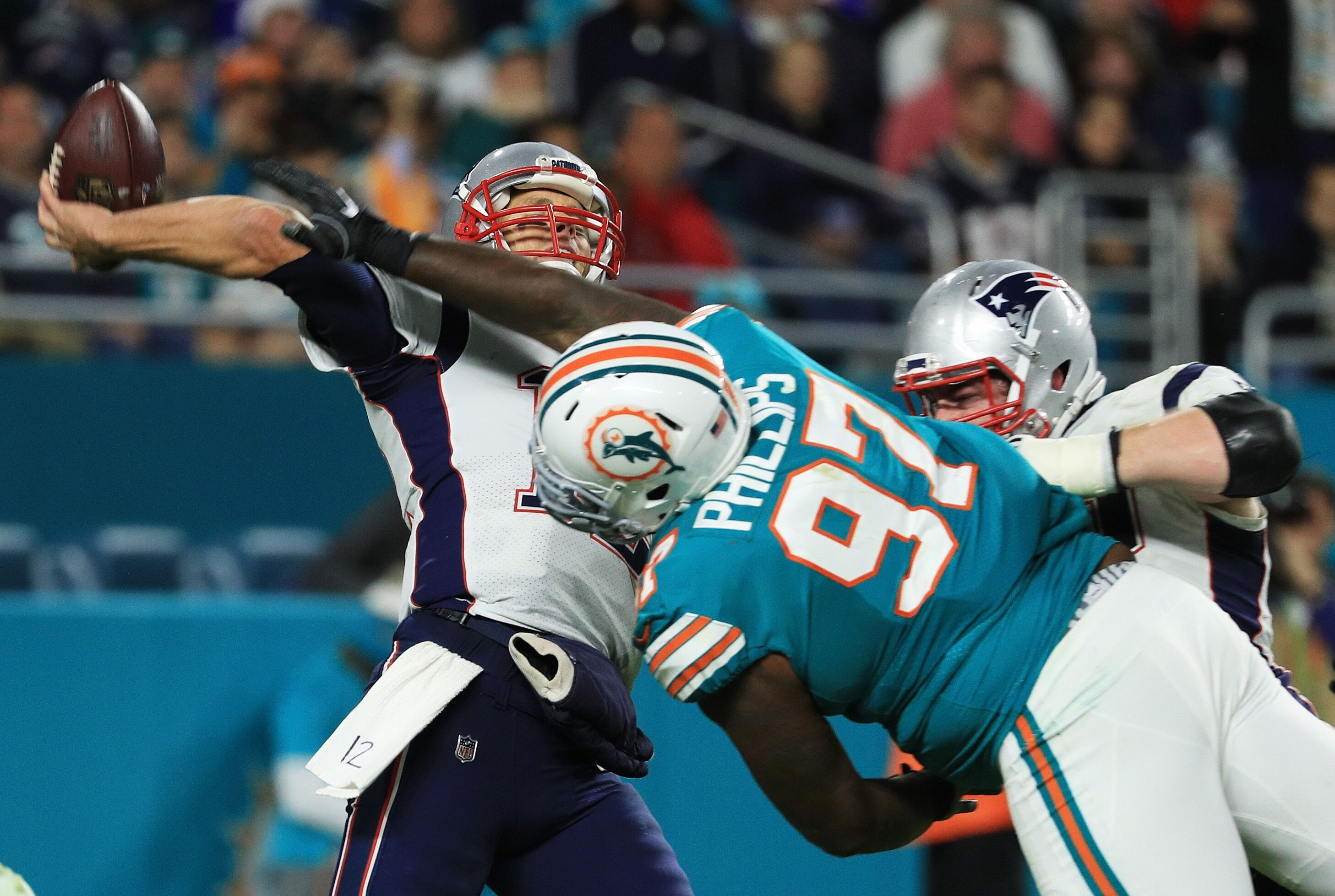 Miami Dolphins shock New England with victory