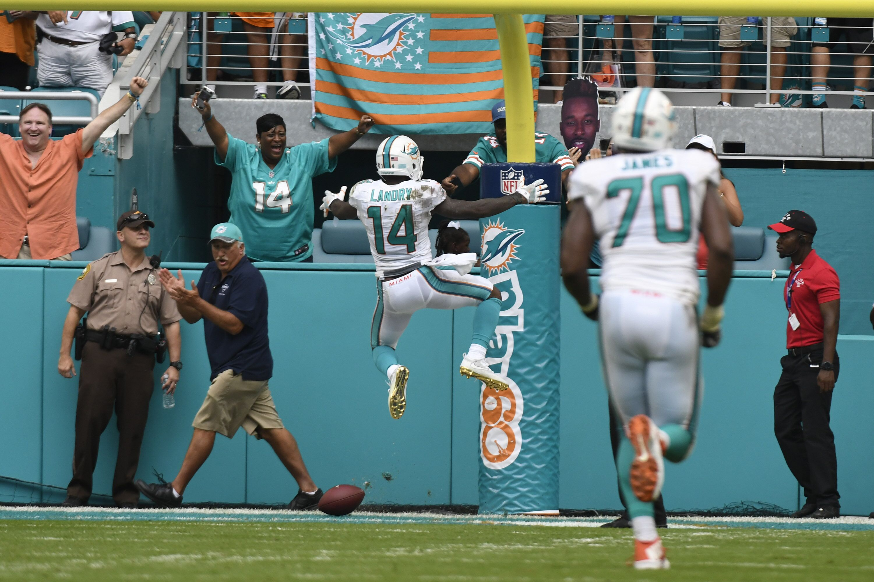 610458278-cleveland-browns-v-miami-dolphins.jpg