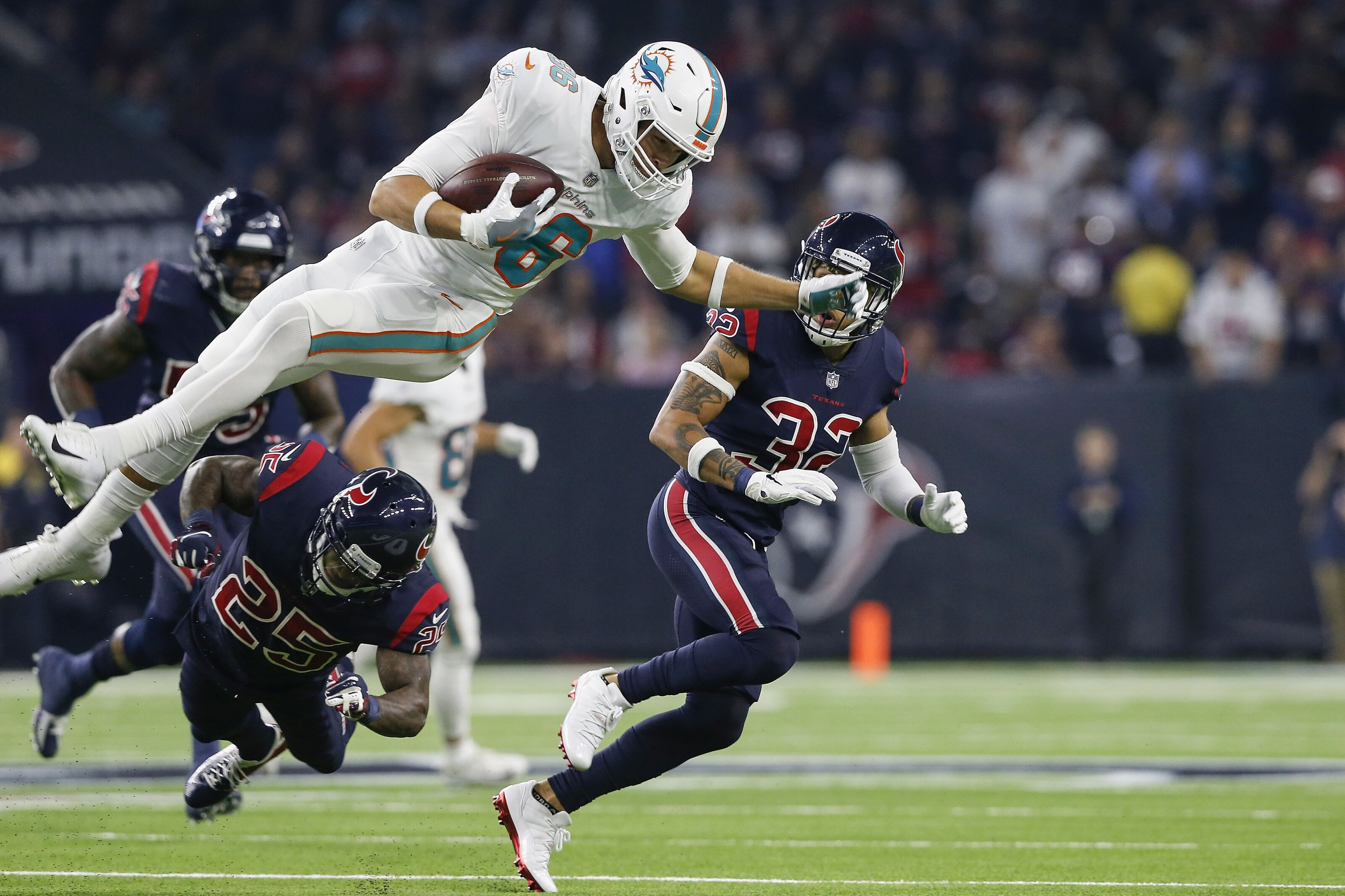online retailer ce33b ac7a3 Miami Dolphins training camp will see tough TE competition