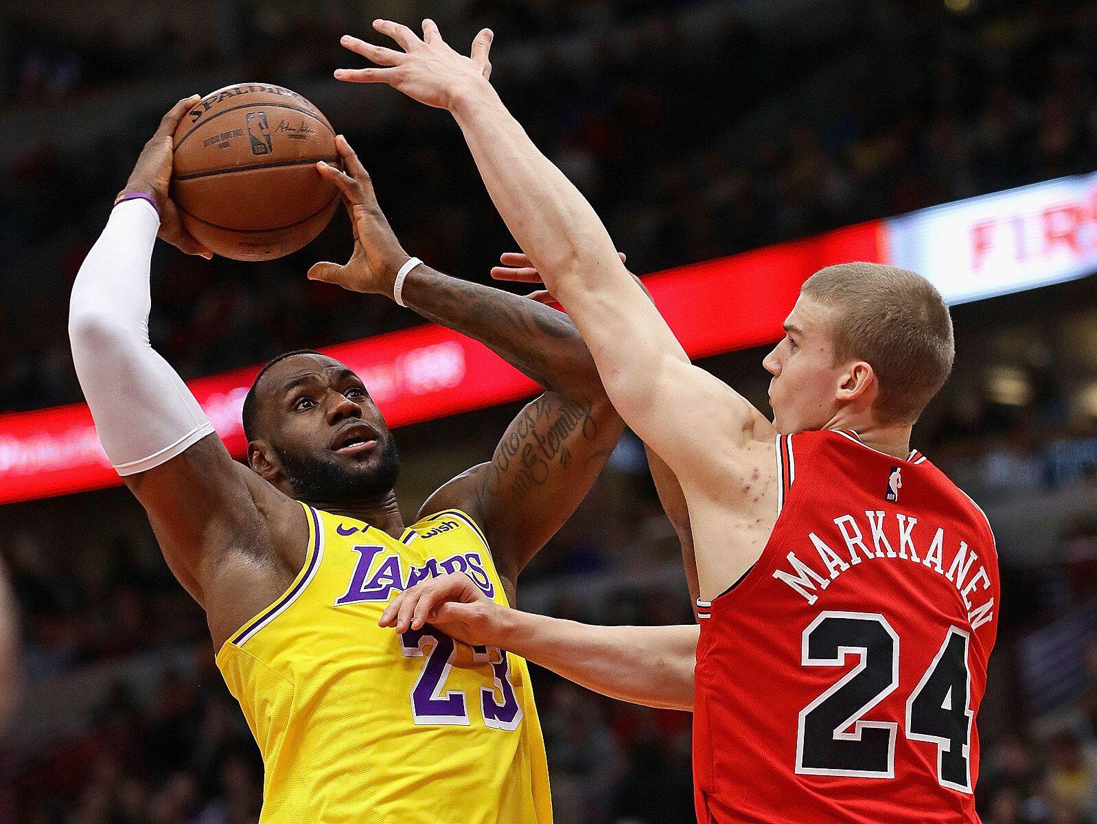 5a6a796a4 LeBron James Trade Rumors  Chicago Bulls-LA Lakers deal possible
