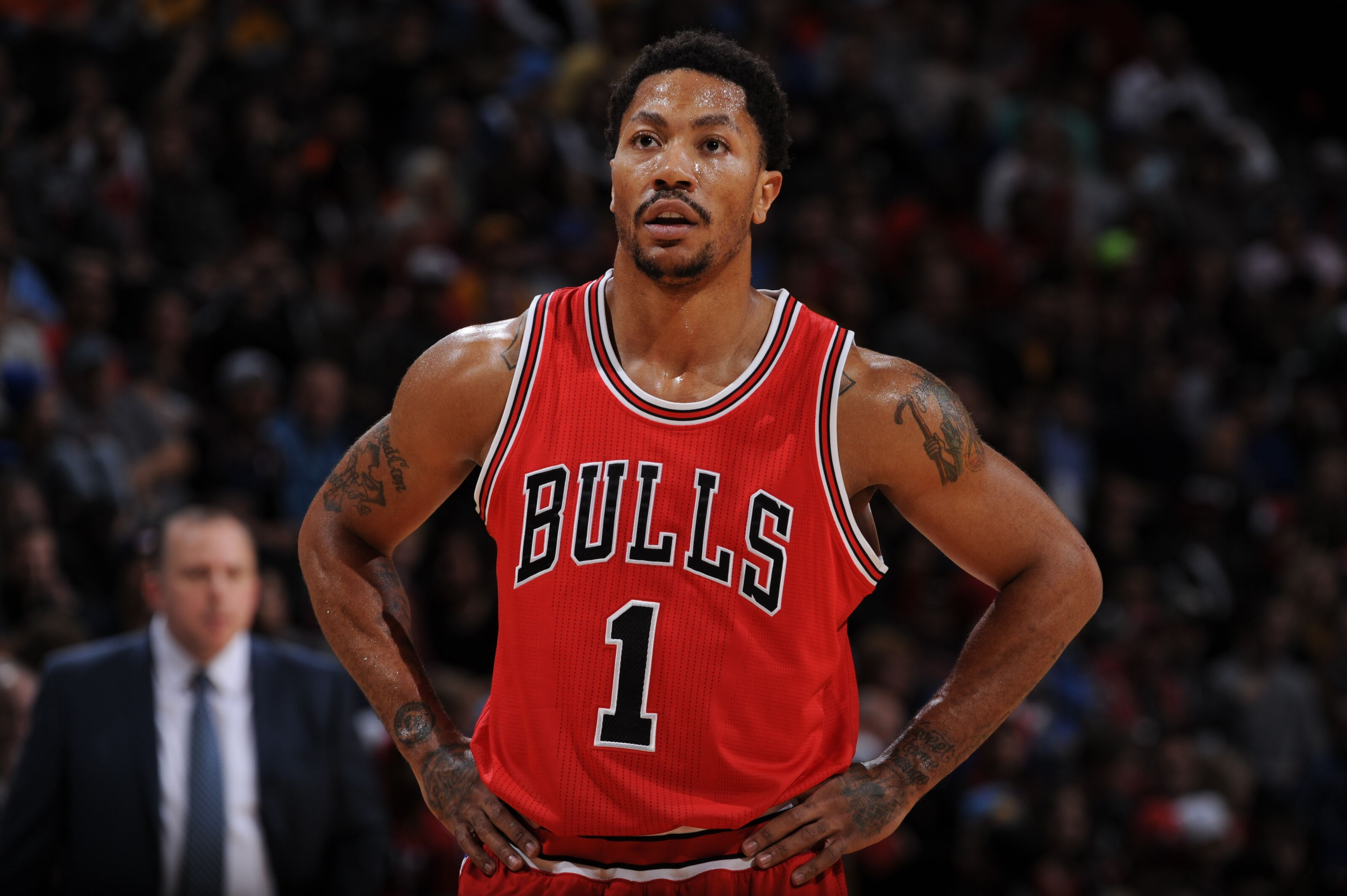 huge discount 8ad4c 6f0a1 Should the Chicago Bulls retire Derrick Rose's jersey number?