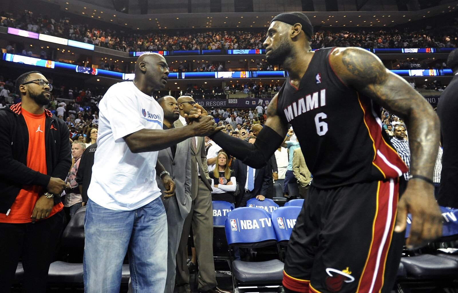 6dbbca22445903 Bill Laimbeer is a fool for taking LeBron James over Michael Jordan