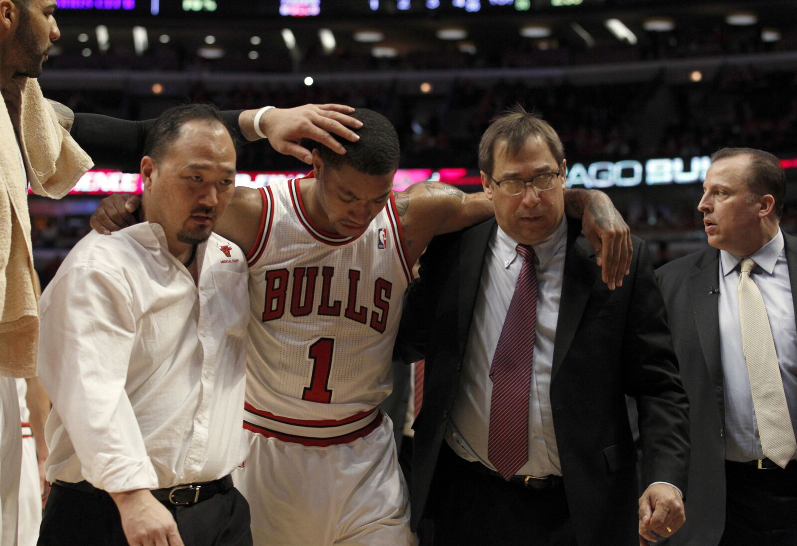 734f18abec4 Chicago Bulls  Derrick Rose tearing his ACL was the worst day in franchise  history