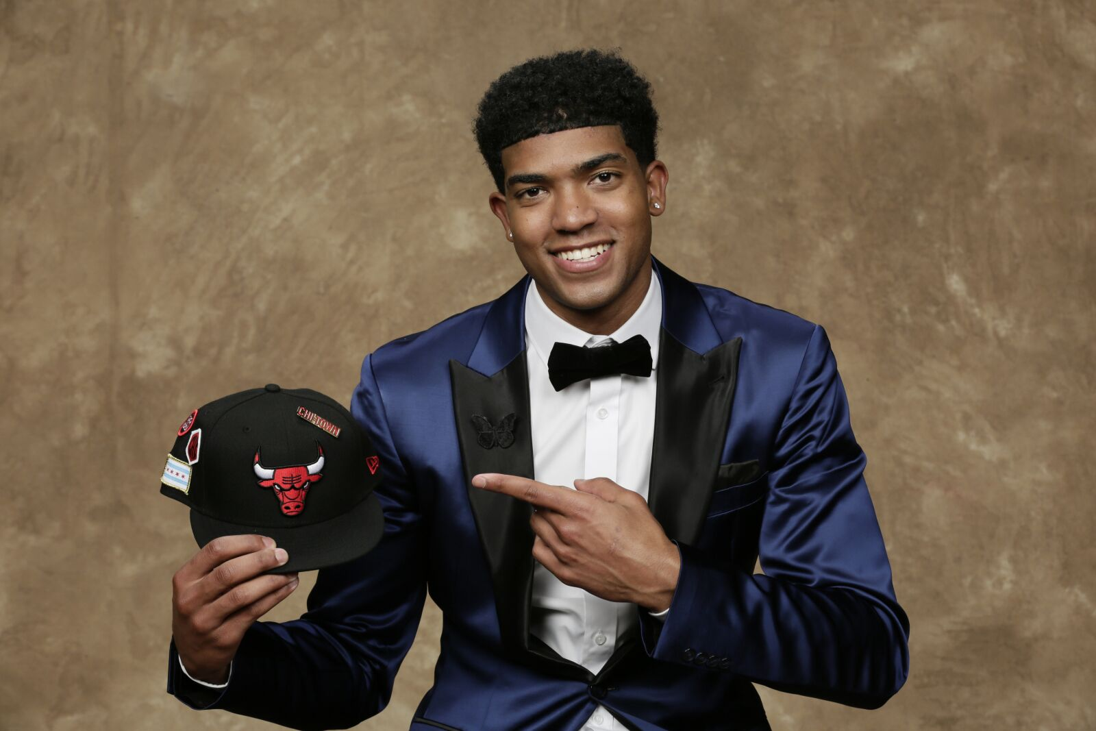 01dcc857602 Pros and cons on the Chicago Bulls drafting Chandler Hutchison