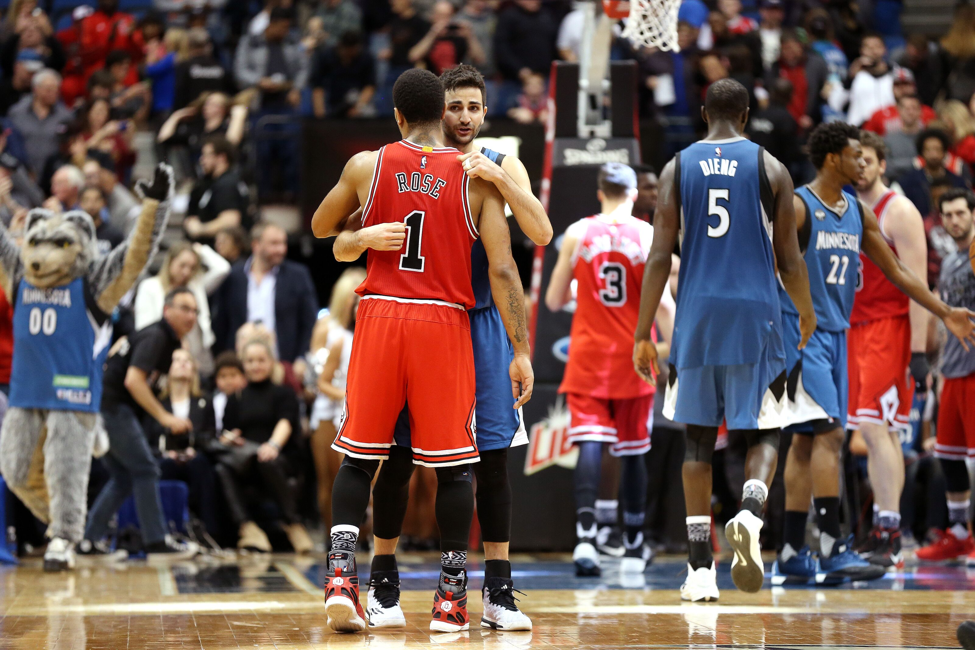 5 Players That the Chicago Bulls Should Consider in the ...