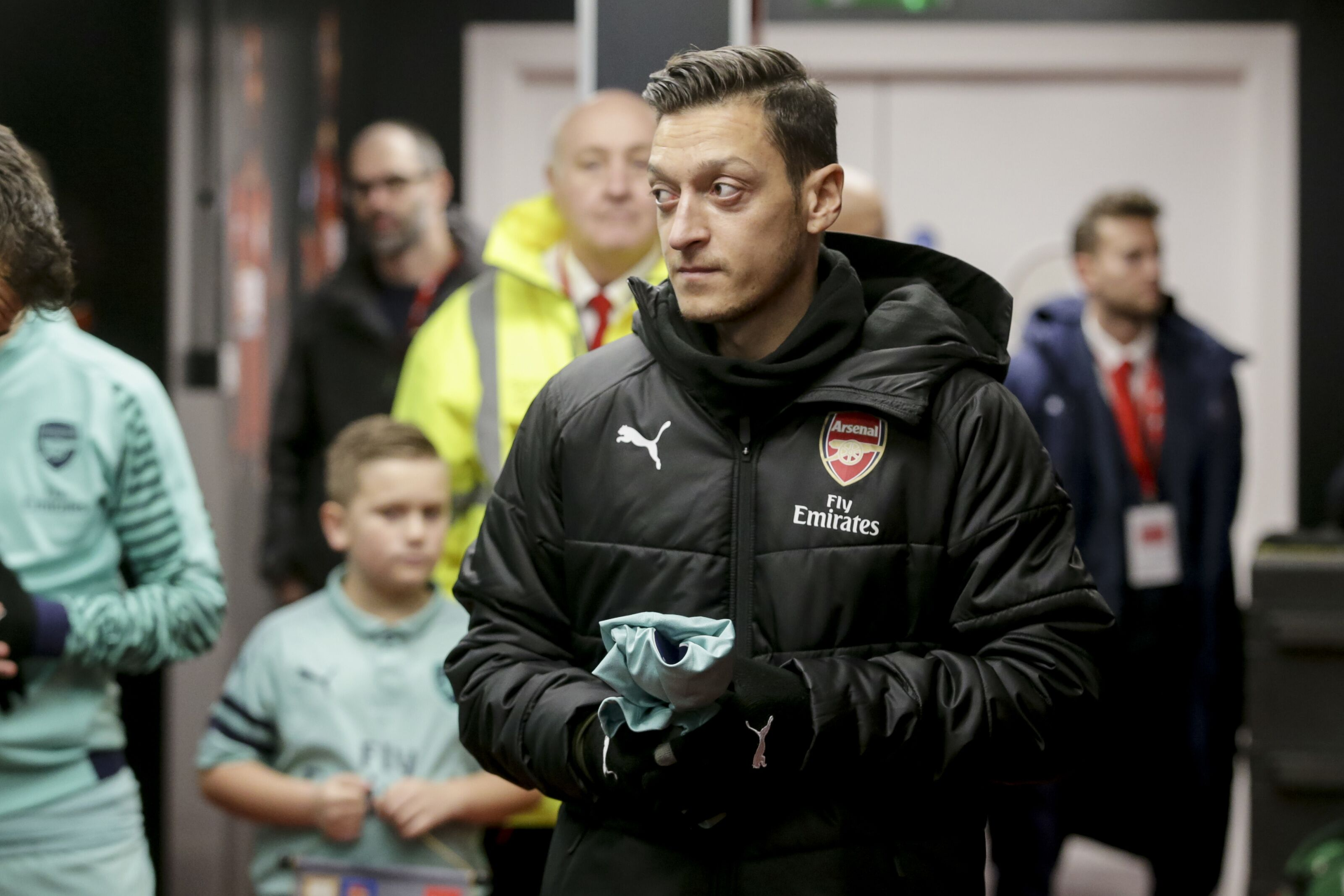 Arsenal are stepping up their efforts to dispose of Mesut Ozil