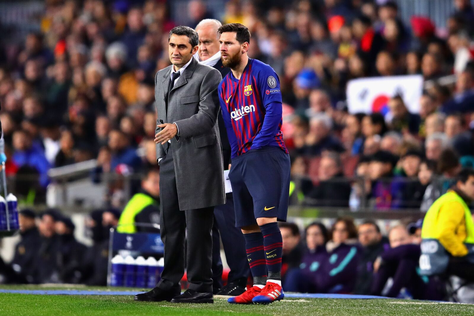 b6825ffb0 Lionel Messi tells Barcelona to steal Real Madrid s galactico