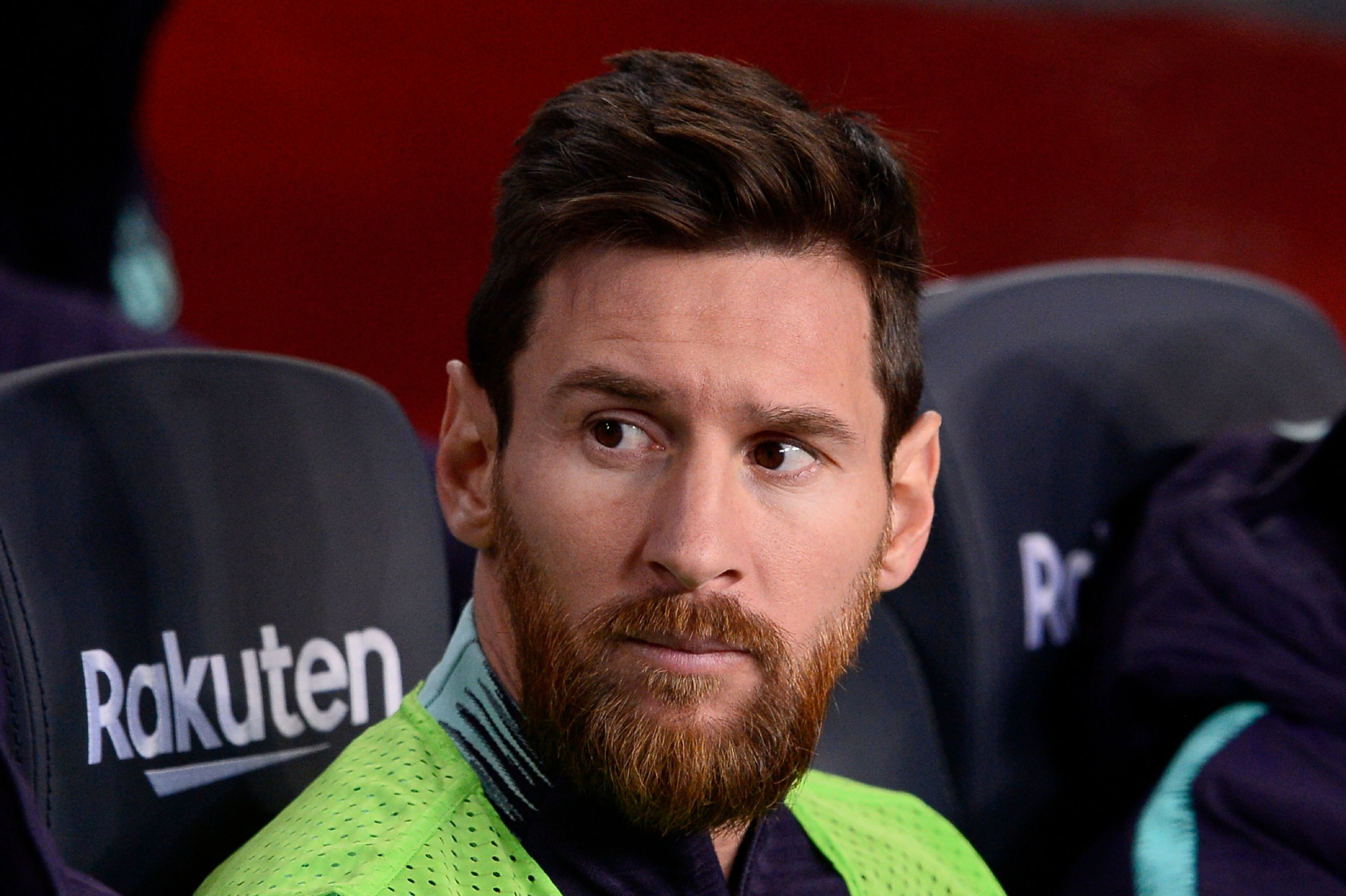 Messi disapproves and approves Barcelona of signing two strikers