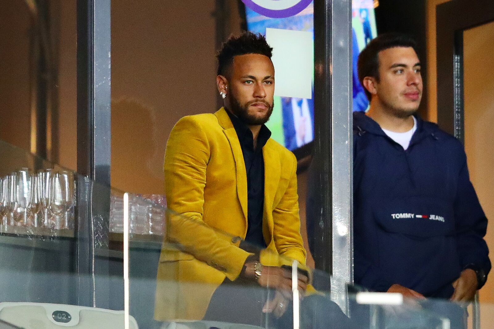 Neymar gives excuse for training absence; will return Monday