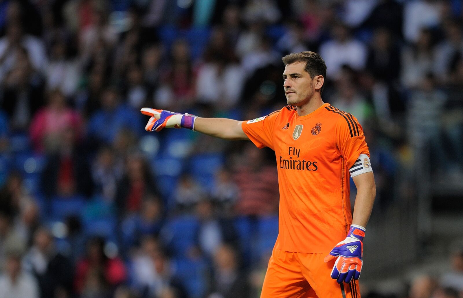 Iker Casillas looking to set up a transfer for Real Madrid soon