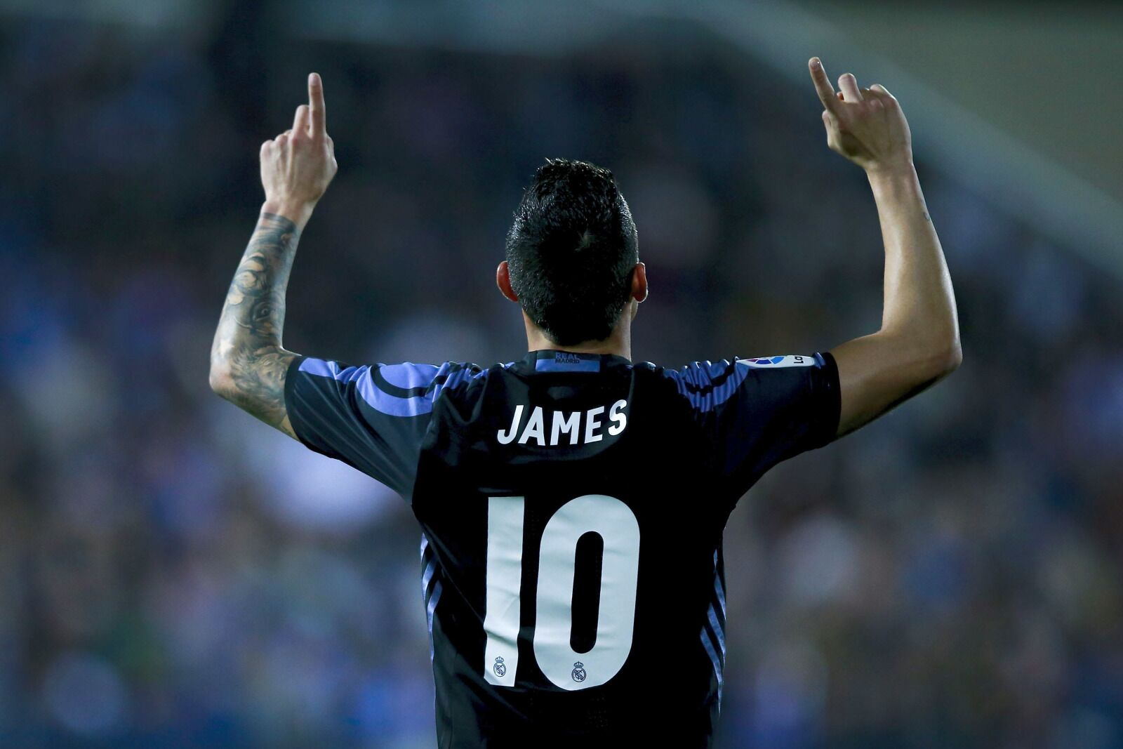 Napoli closing in on James Rodriguez