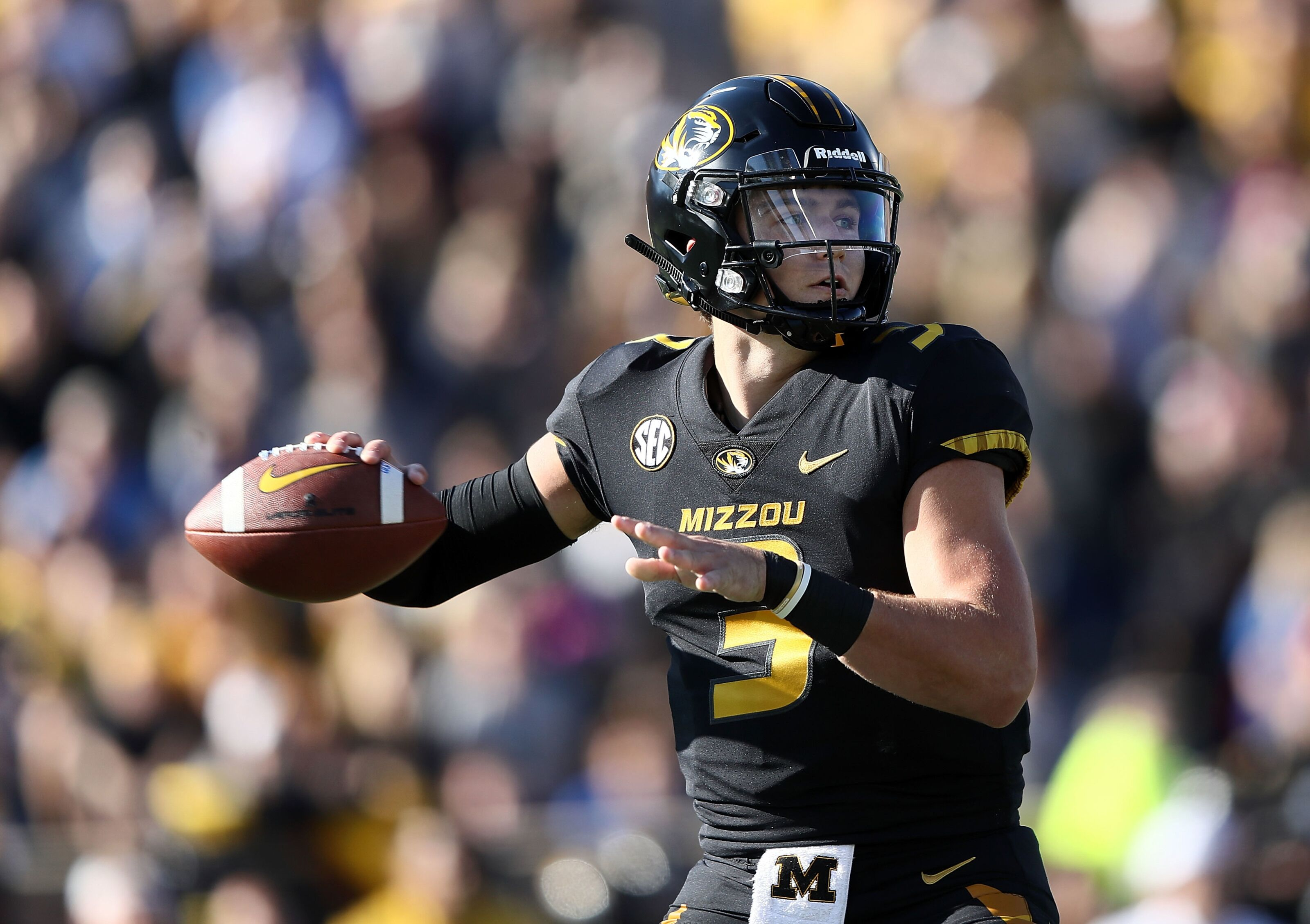 Denver Broncos will host Drew Lock for pre-draft visit