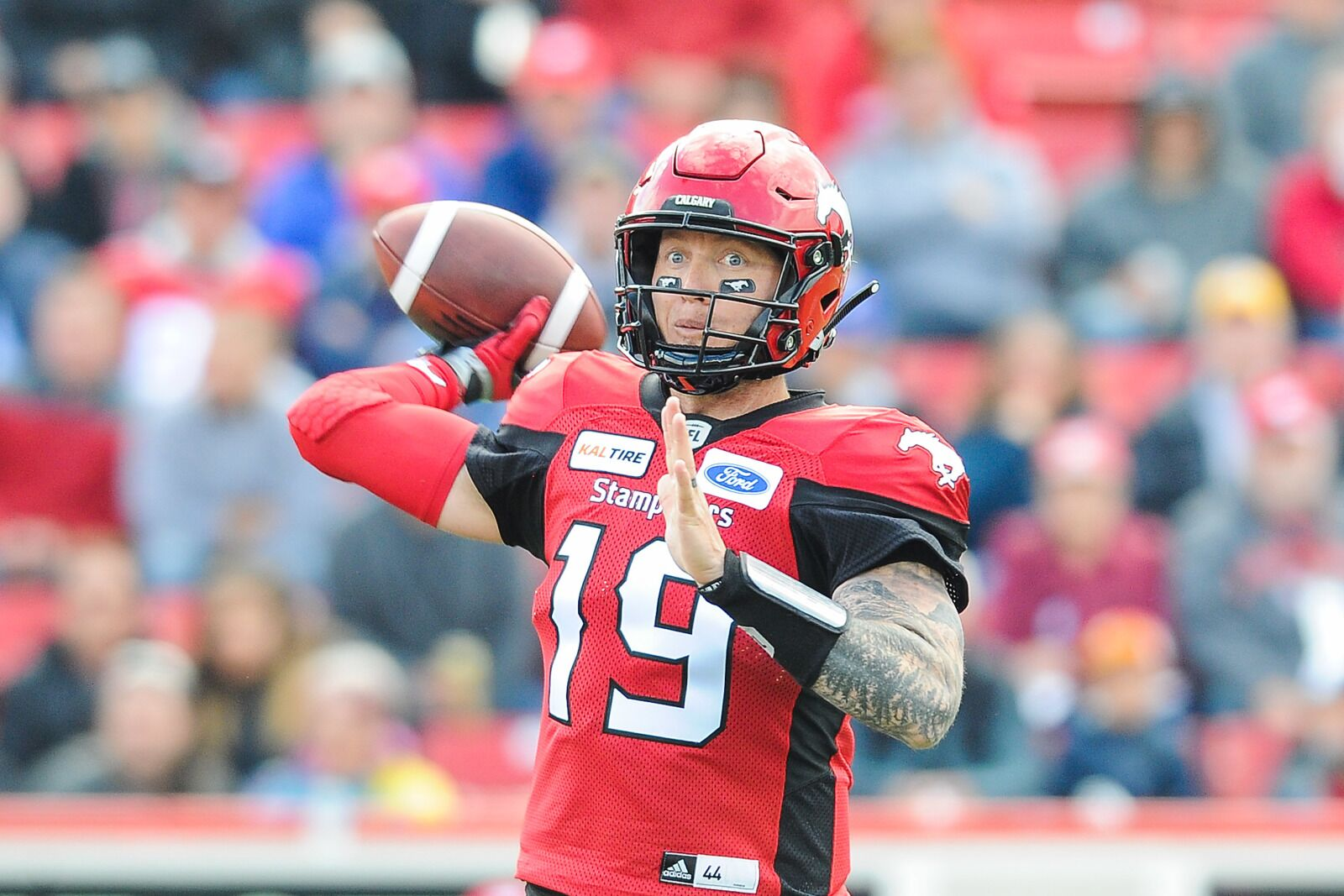 Denver Broncos: CFL top QB Bo Levi Mitchell works out for team