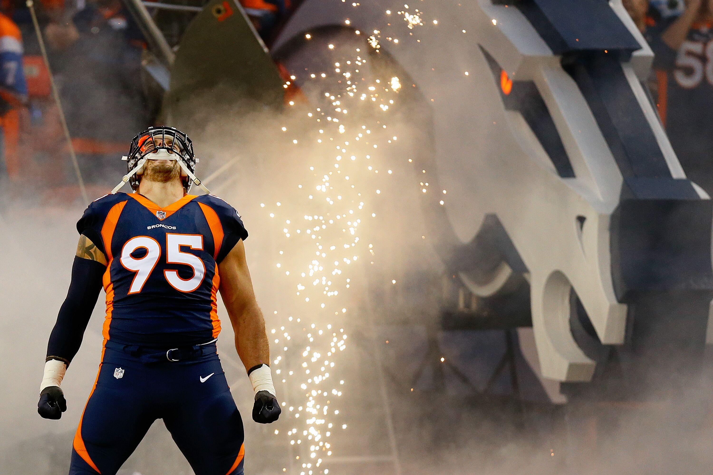 Ranking the Current Denver Broncos Uniform Combinations - Page 2 65db42a67