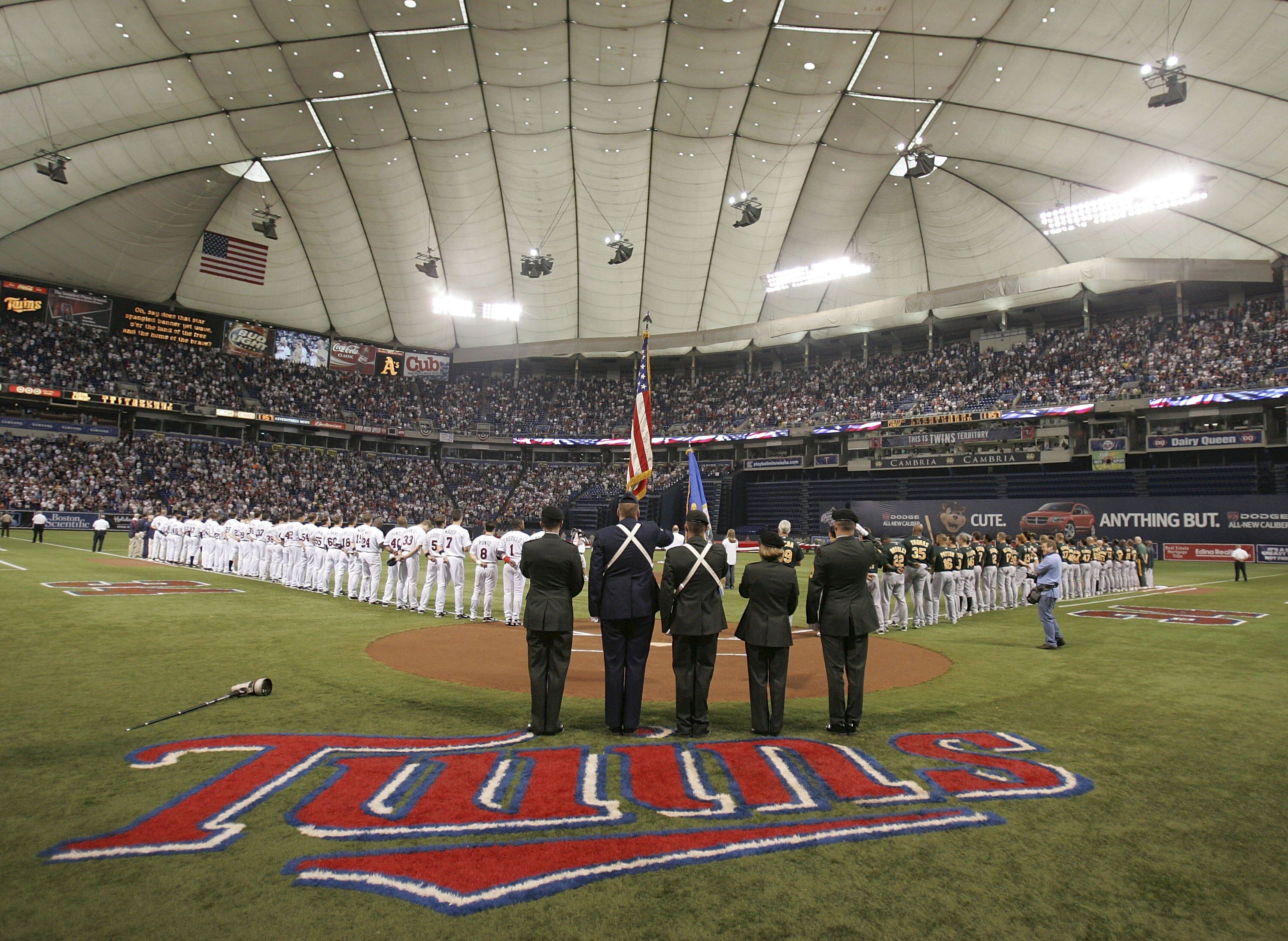 72077528-alds-game-1-oakland-as-v-minnesota-twins.jpg