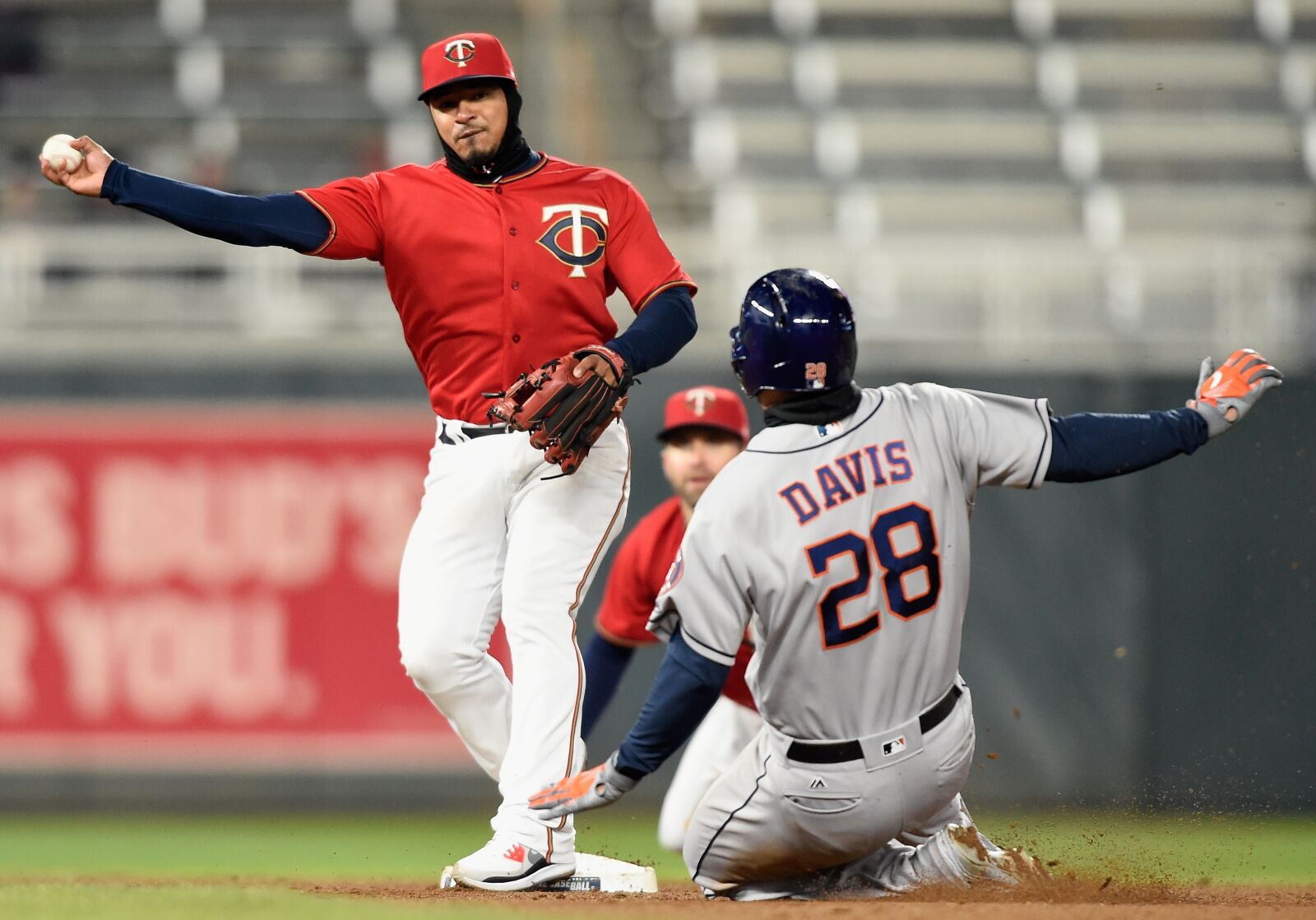 944492552-houston-astros-v-minnesota-twins.jpg