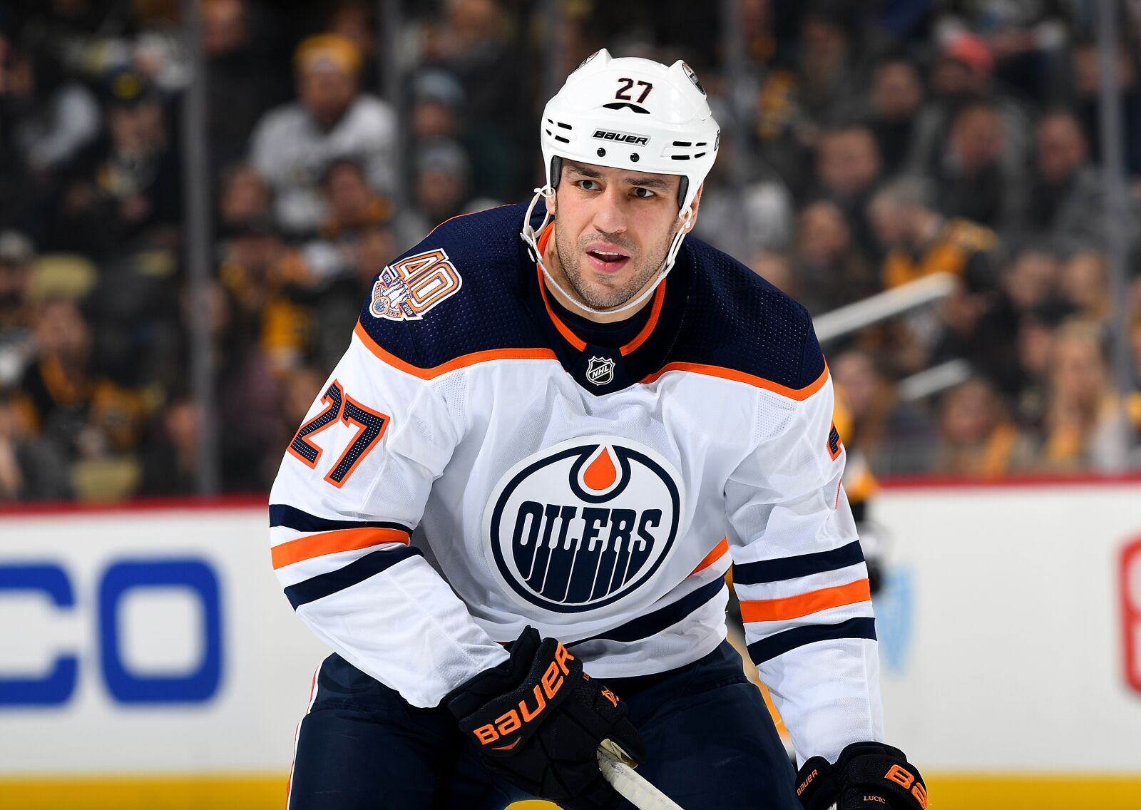 Edmonton Oilers and Vancouver Canucks discussing Milan Lucic trade