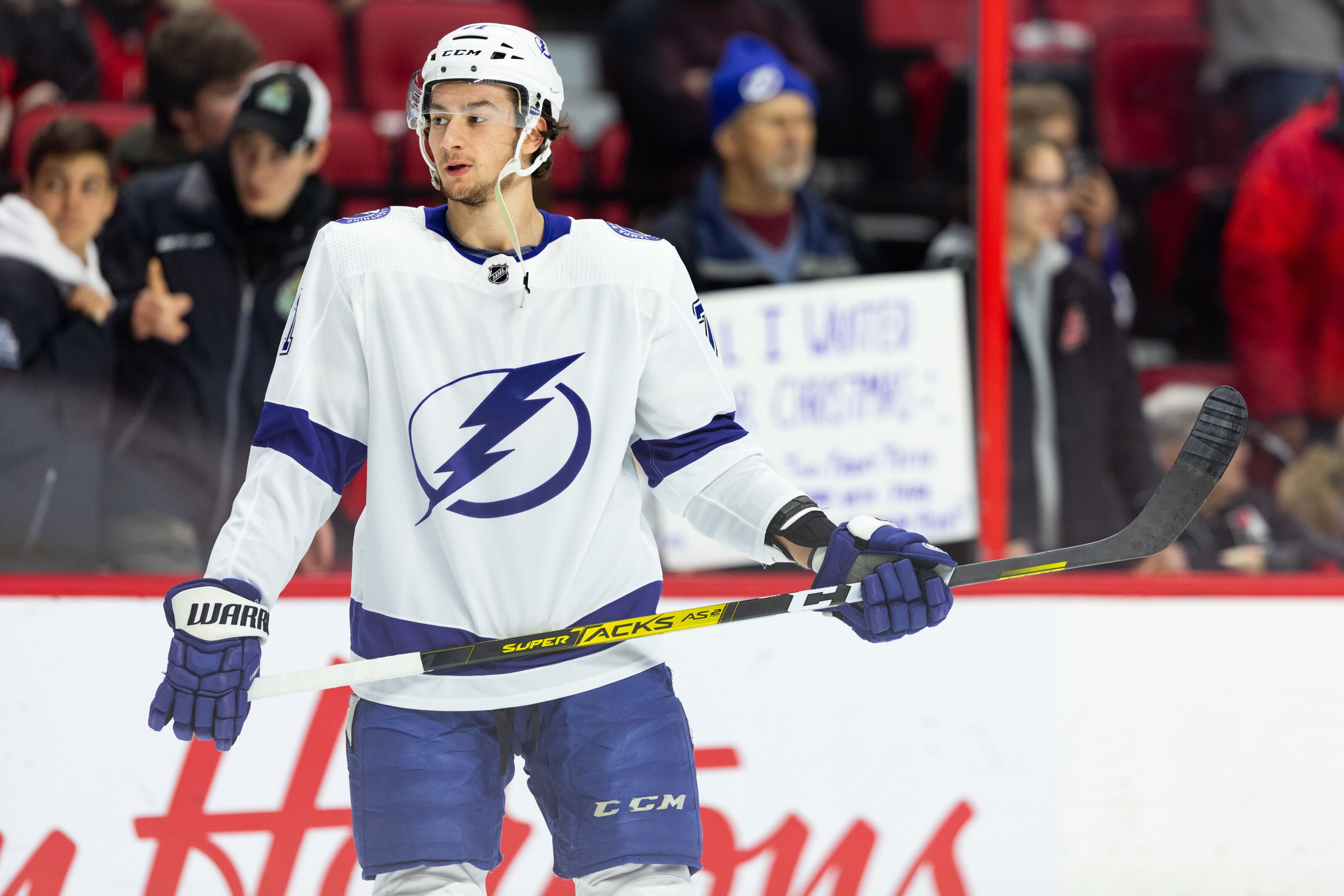 Tampa Bay Lightning: Anthony Cirelli should be in the Selke Trophy race