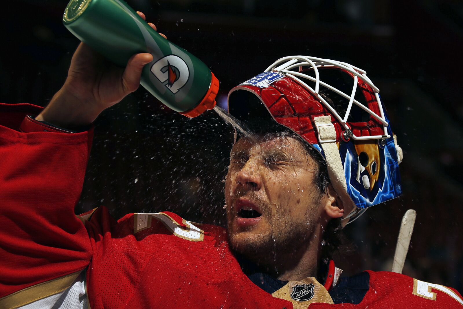 Florida Panthers win second straight game, beat Sharks 5-1