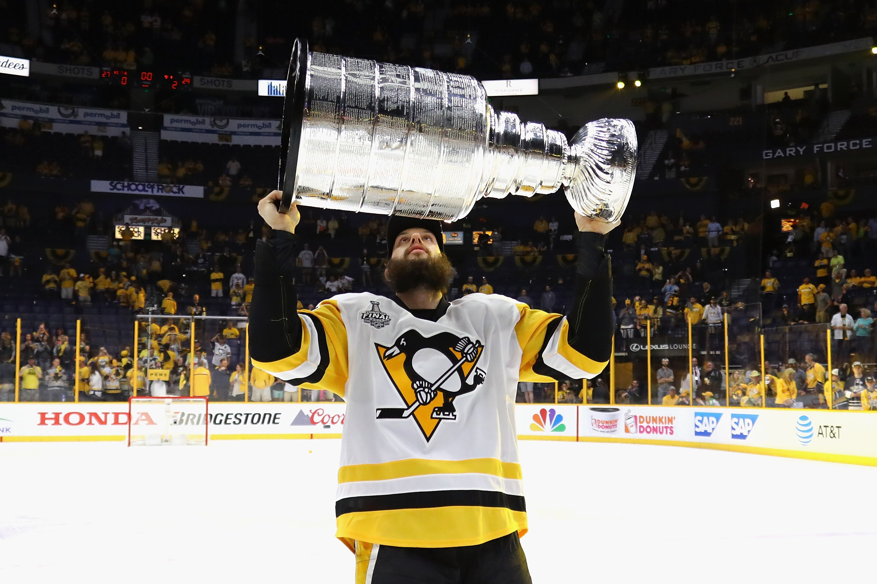 newest 8da6b a69c9 Pittsburgh Penguins trade rumors: 3 replacements for Nick Bonino