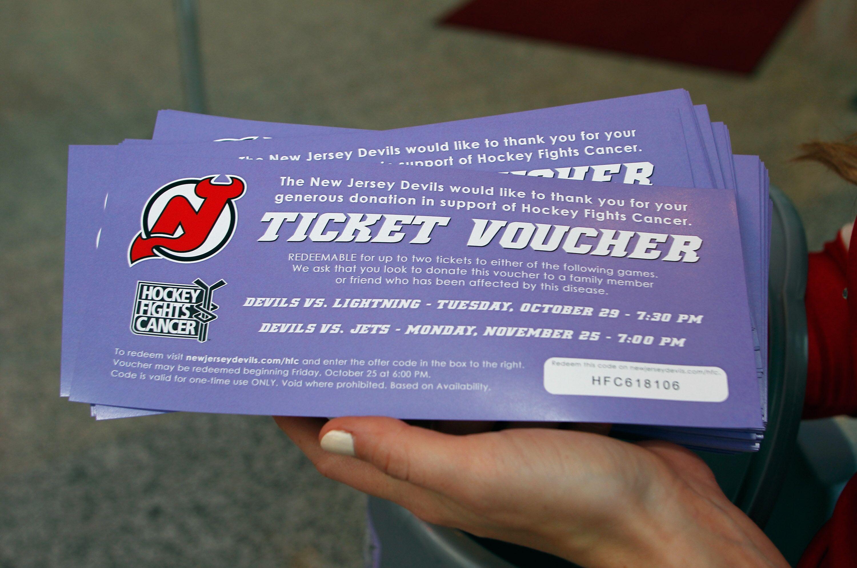 new product 34837 209ef New Jersey Devils Fan Wins Season Tickets On Twitter