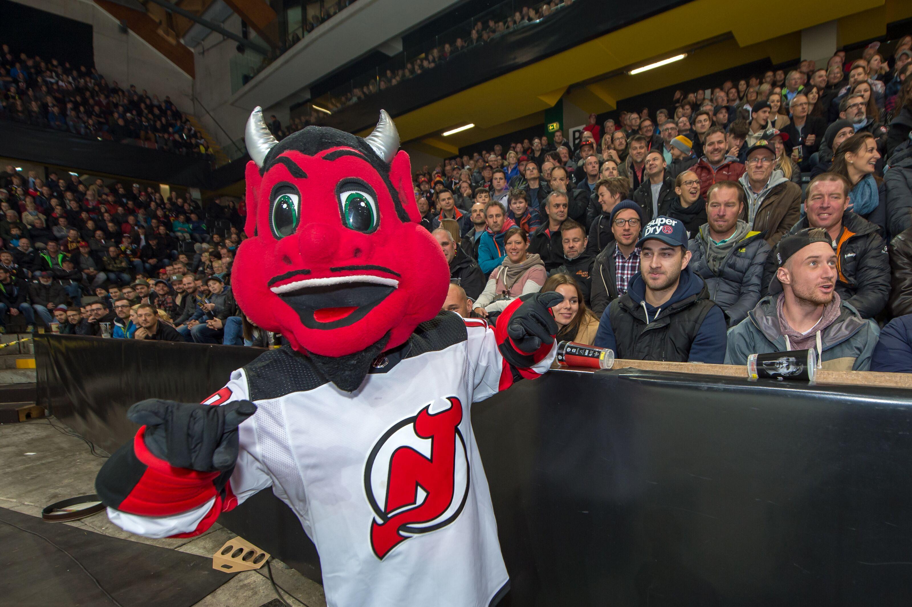 New Jersey Devils: Breaking Down NJ Devil Running Into A Window