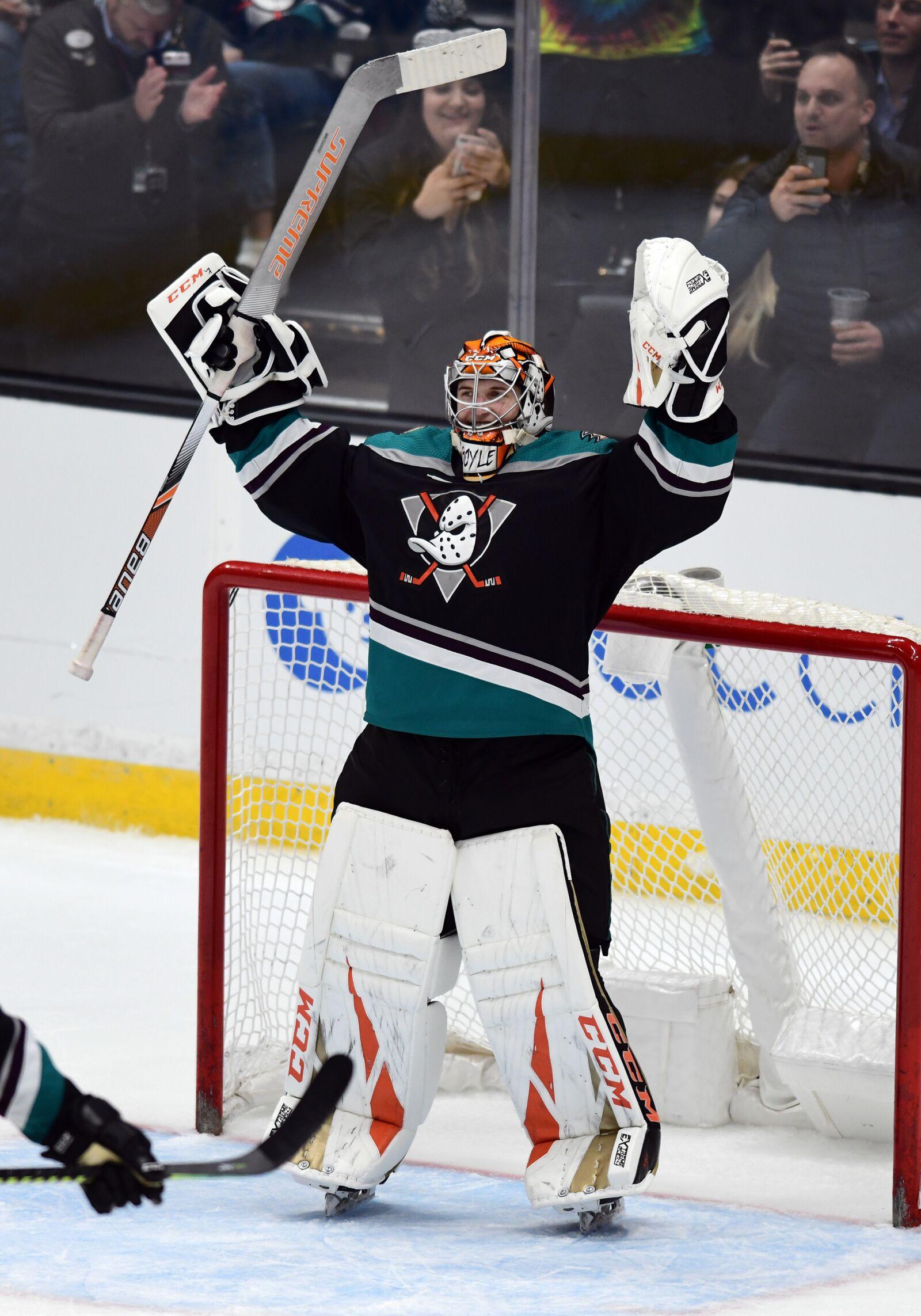 PODCAST: Anaheim Ducks Goalie Woes, Bob Murray's Start, and Trade Deadline Approaches