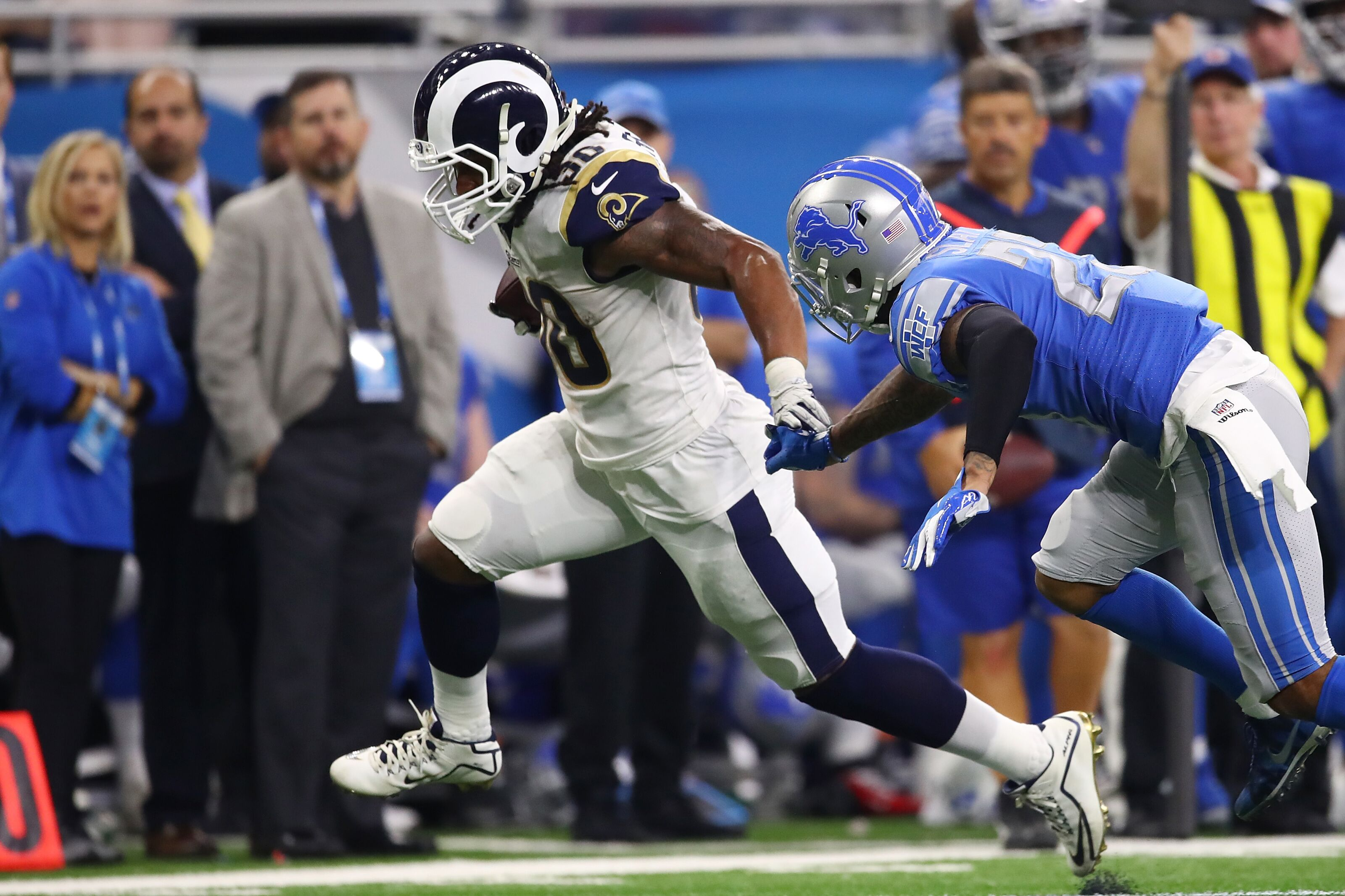 ee279508 Los Angeles Rams: Todd Gurley's knee concerns just won't go away