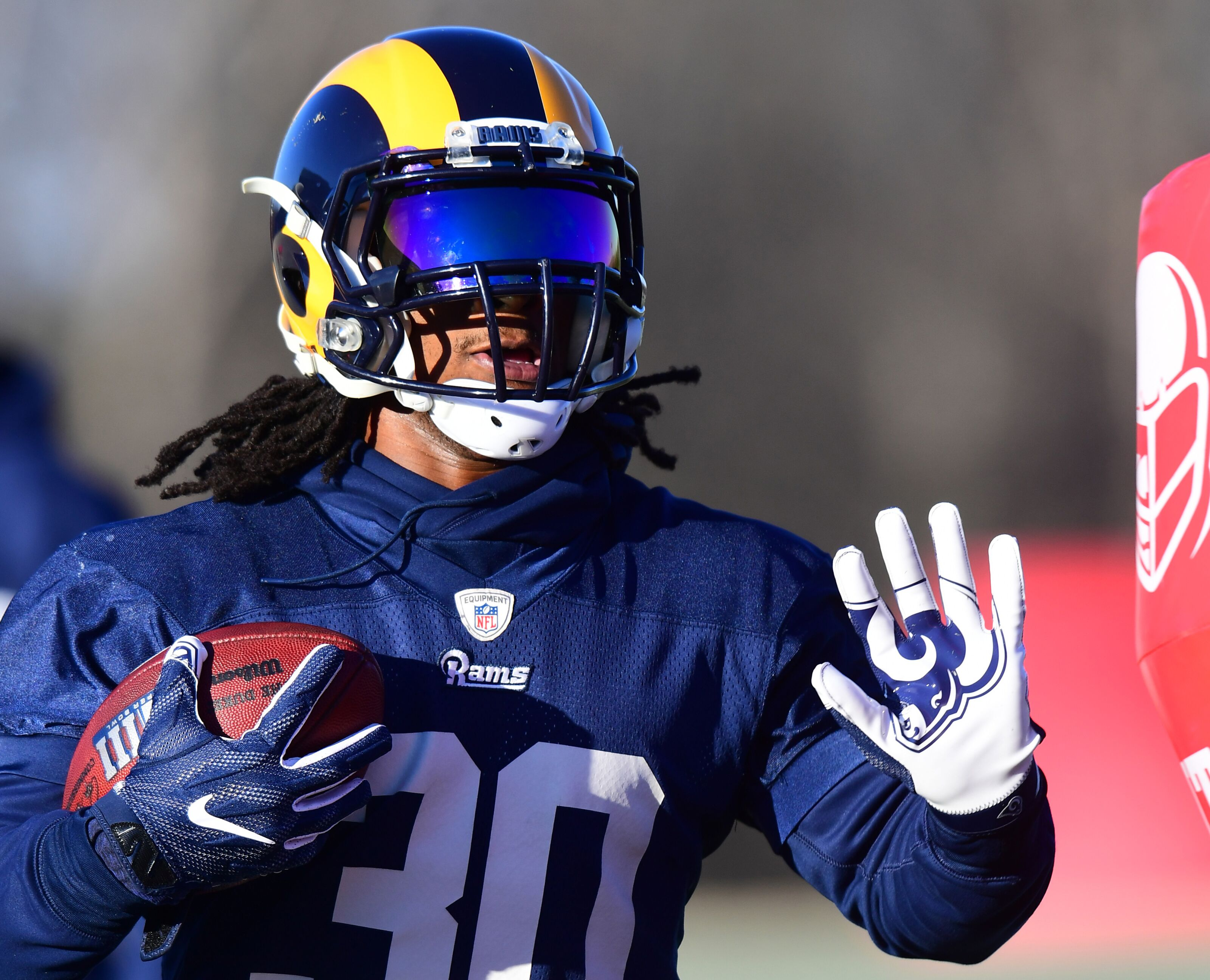 76babe4f Los Angeles Rams: Todd Gurley limping video brings new concerns