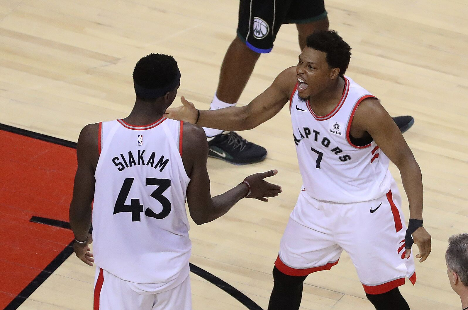 innovative design 893eb 3d485 The Toronto Raptors' point guard dilemma and what to do with ...