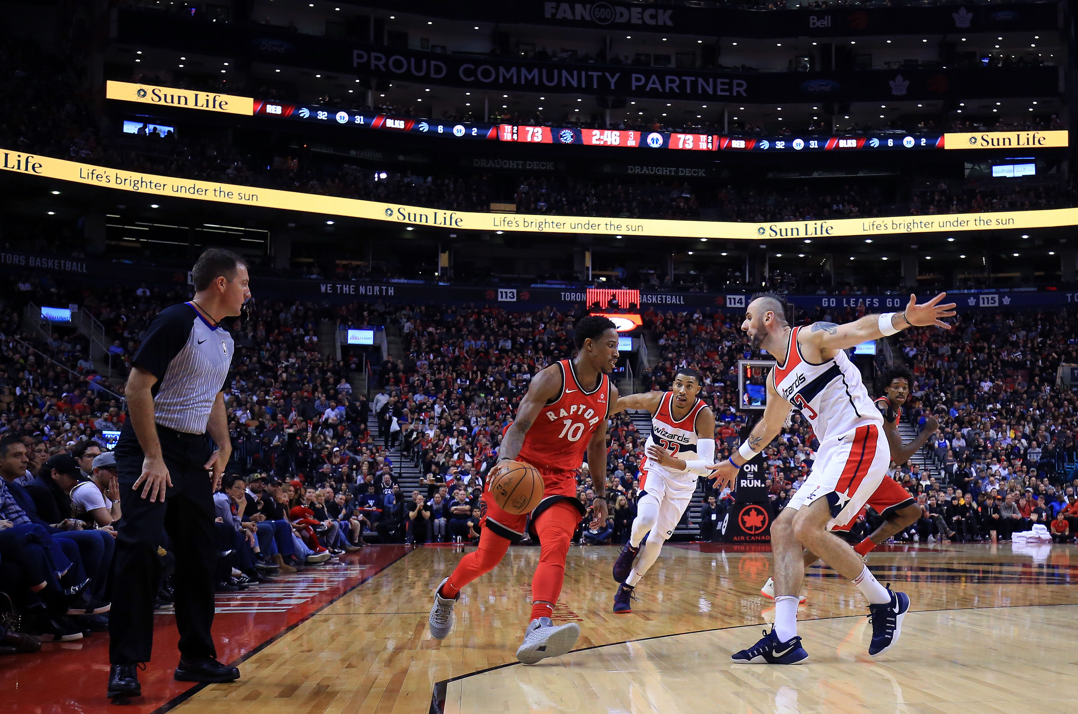 876390996-washington-wizards-v-toronto-raptors.jpg