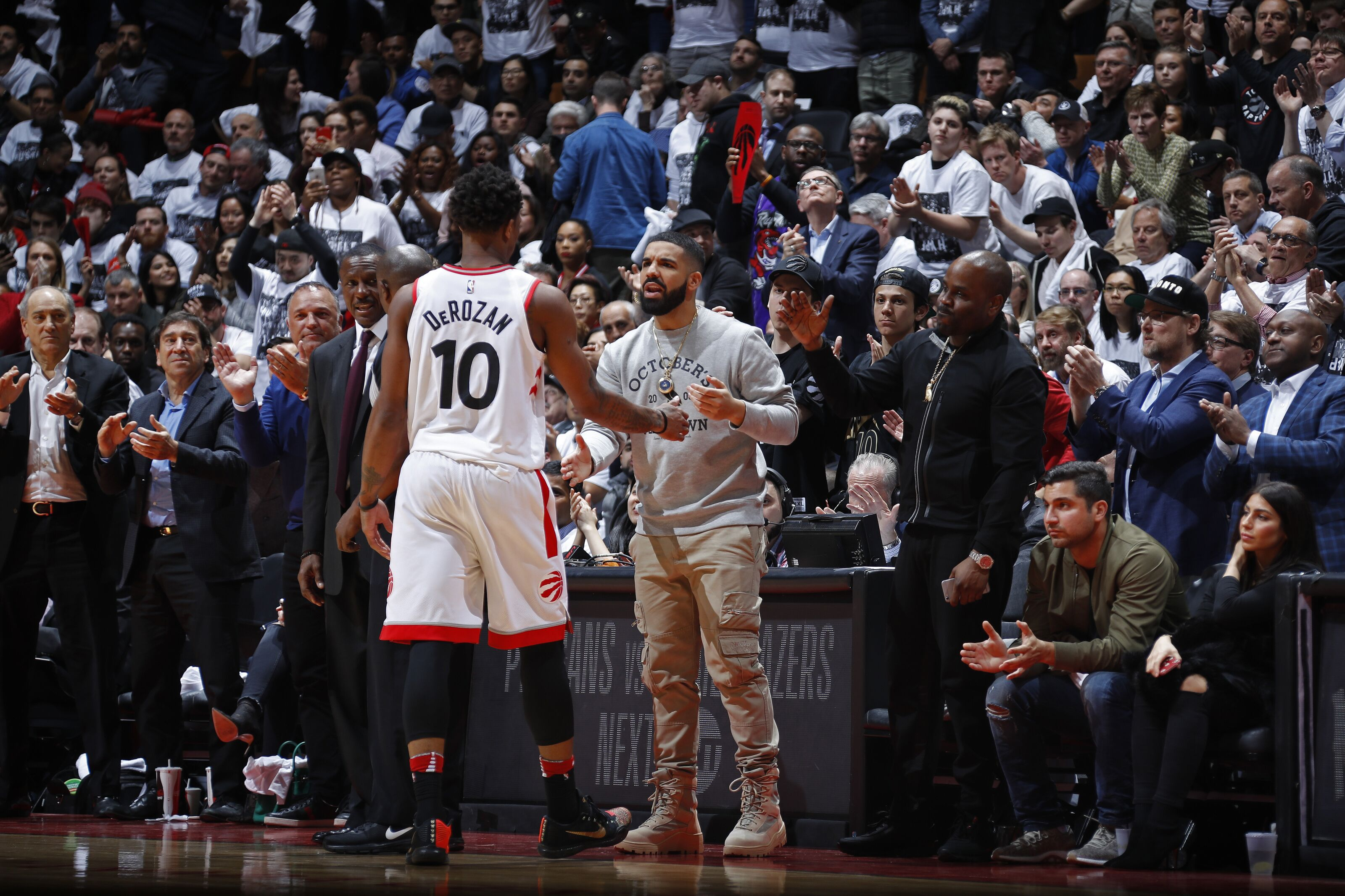 948268006-washington-wizards-v-toronto-raptors-game-two.jpg
