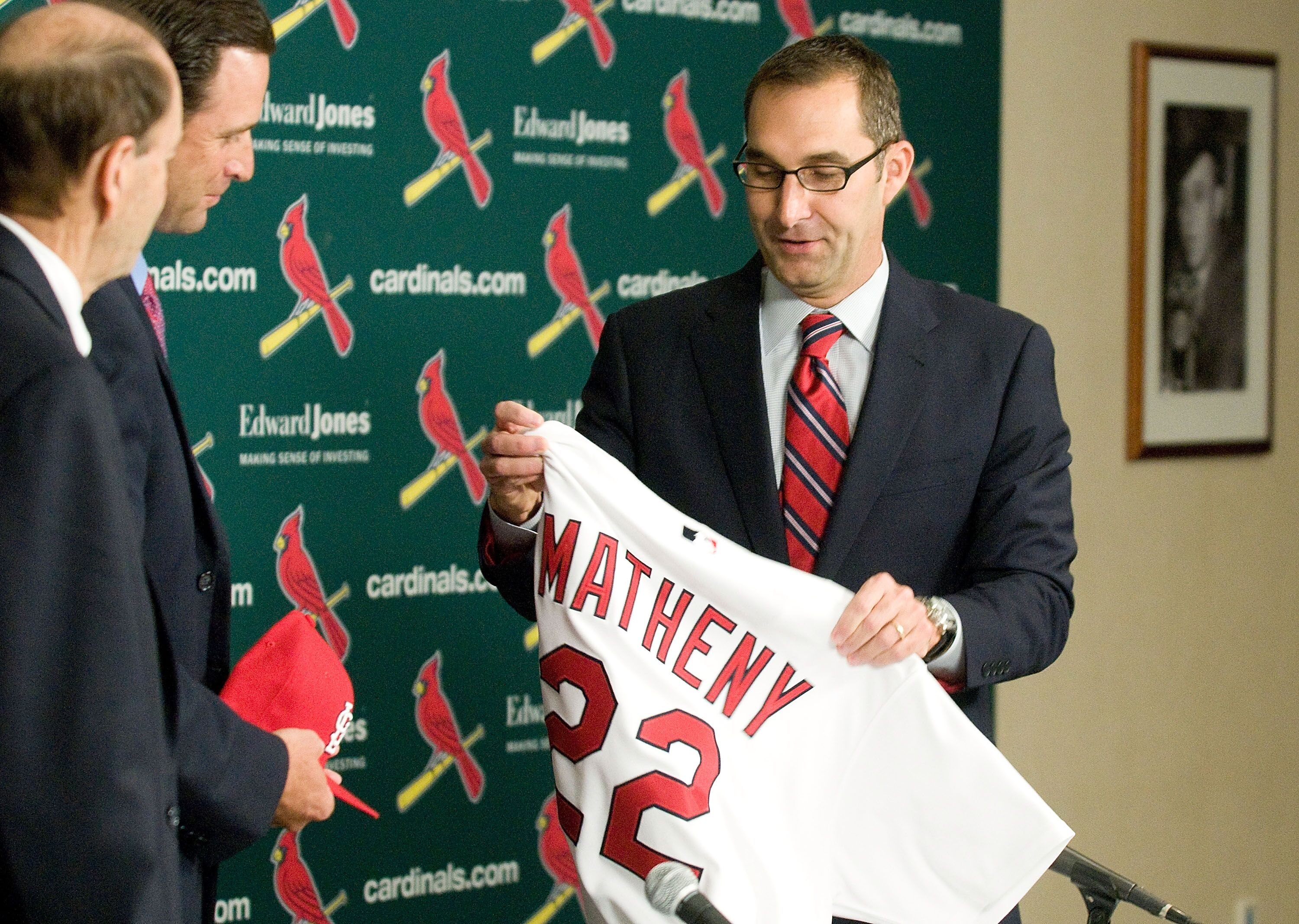 132788308-st-louis-cardinals-introduce-mike-matheny-as-new-manager.jpg