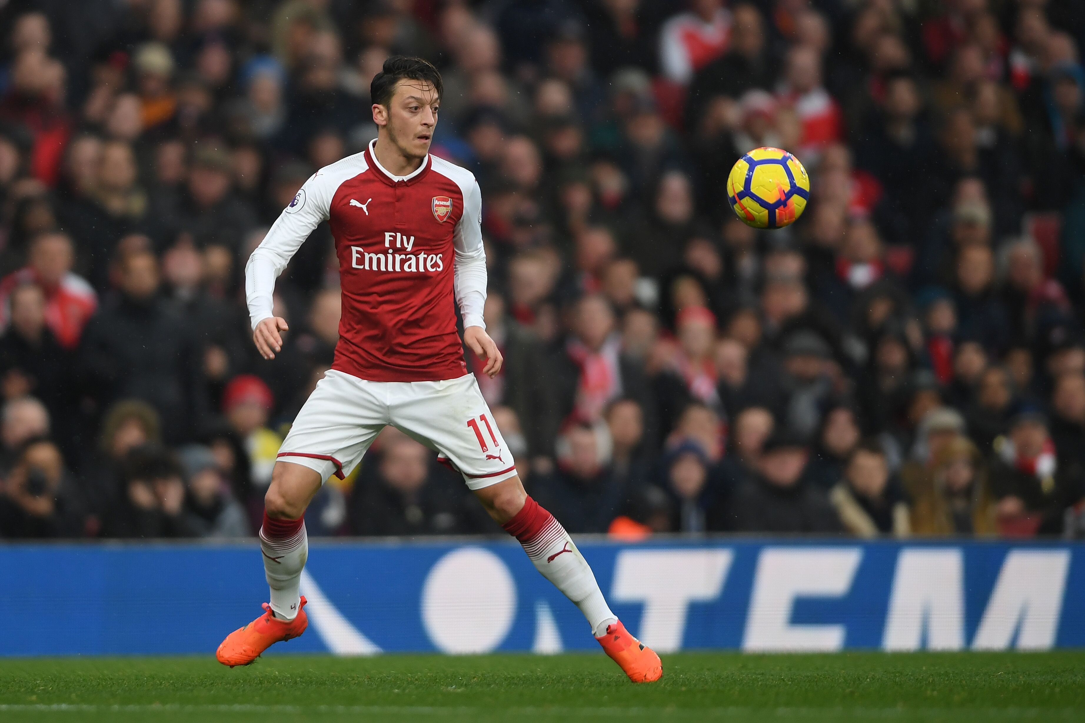 Arsenal s Mesut Ozil set to join Manchester United