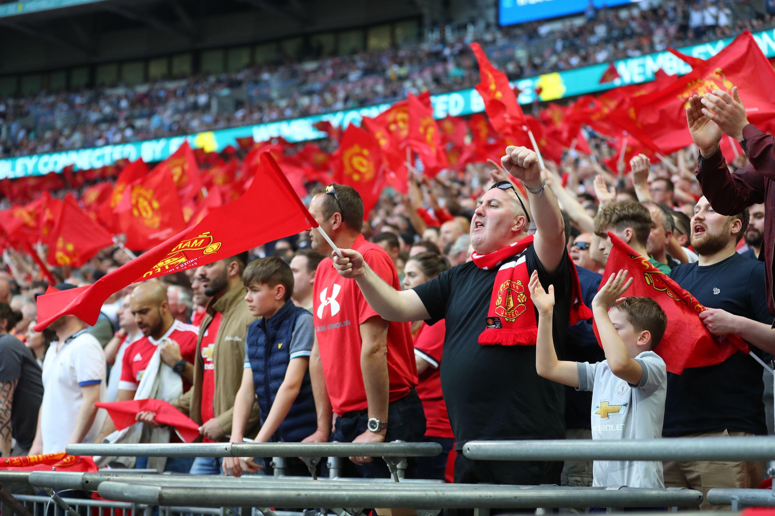 949709536-manchester-united-v-tottenham-hotspur-the-emirates-fa-cup-semi-final.jpg
