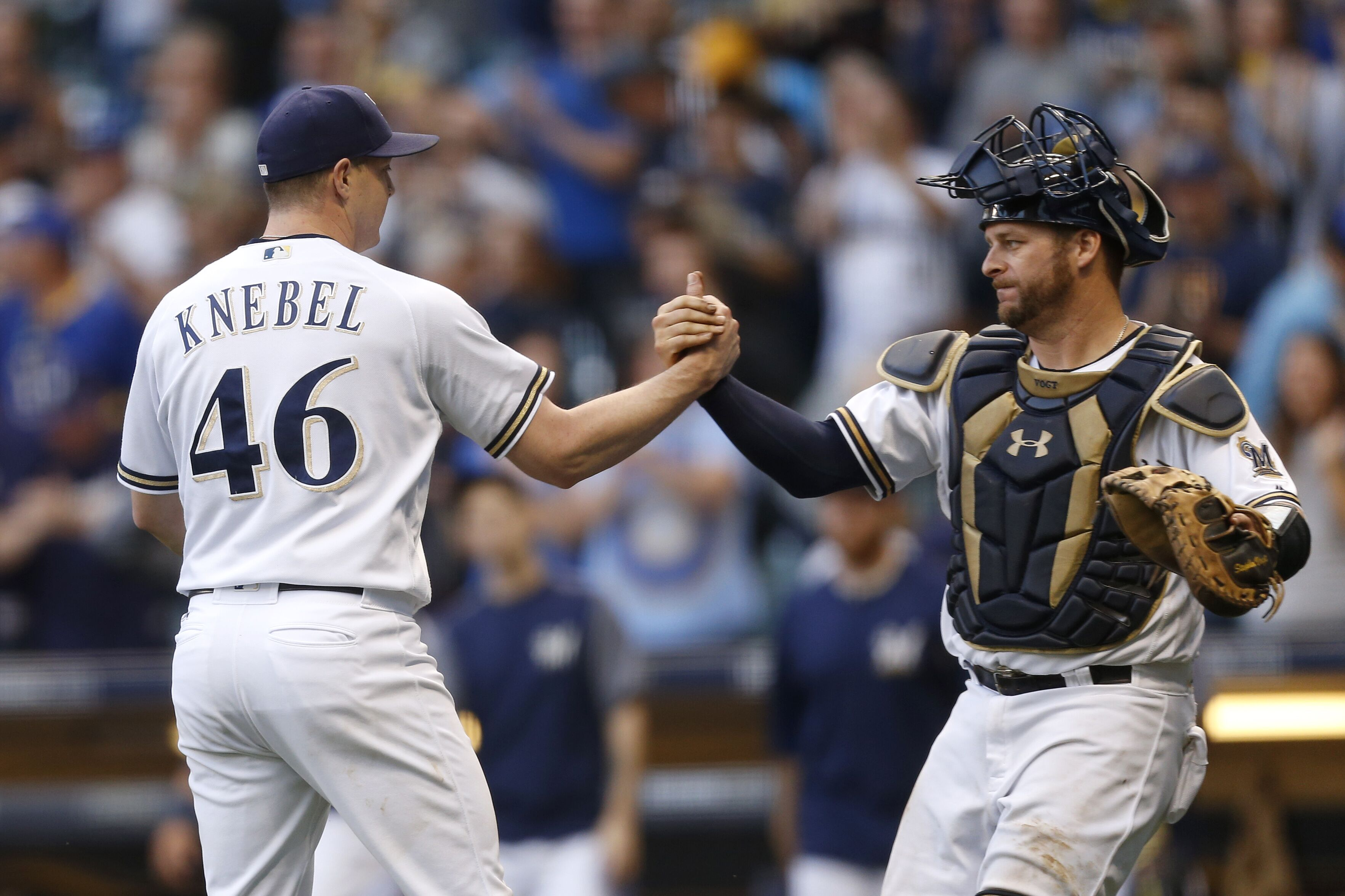855276446-cincinnati-reds-v-milwaukee-brewers.jpg