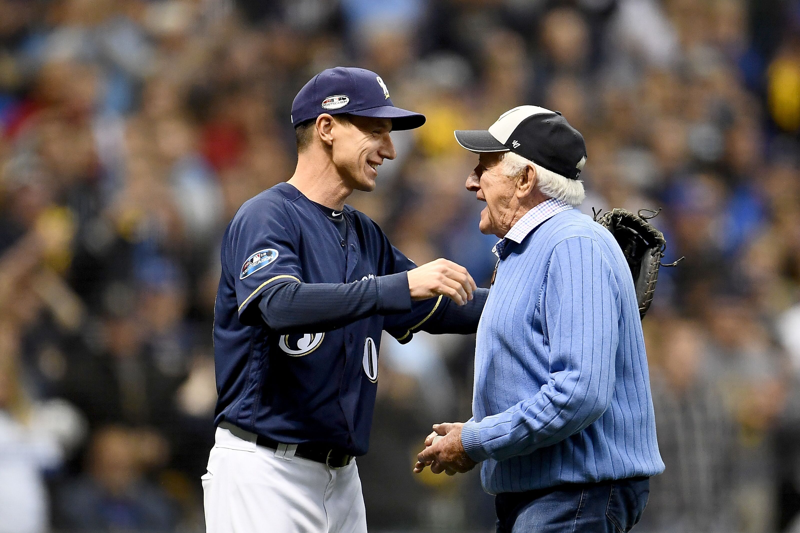 Milwaukee Brewers: Bob Uecker receives and then donates playoff share