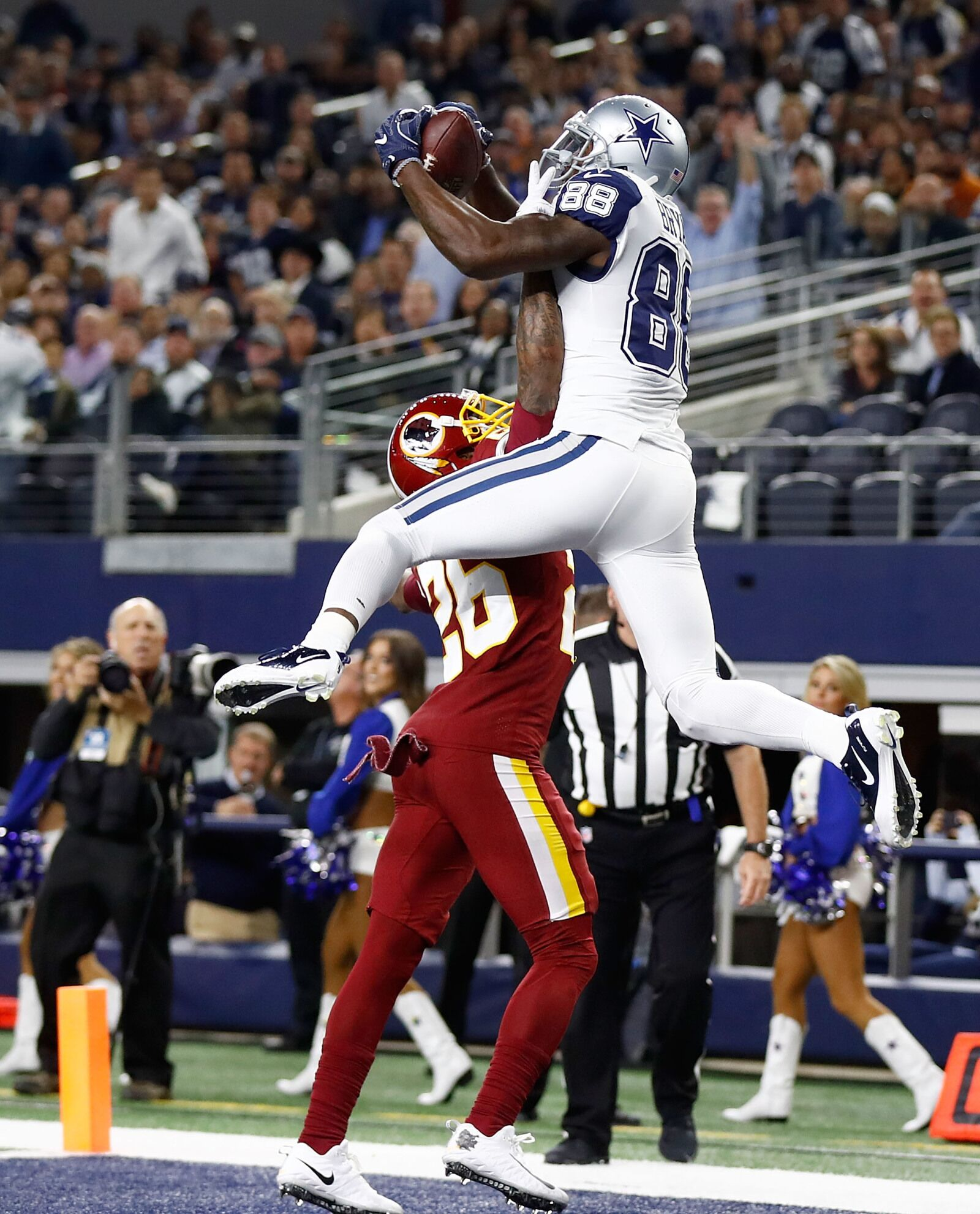 Why The Washington Redskins Should Sign Wide Receiver Dez Bryant