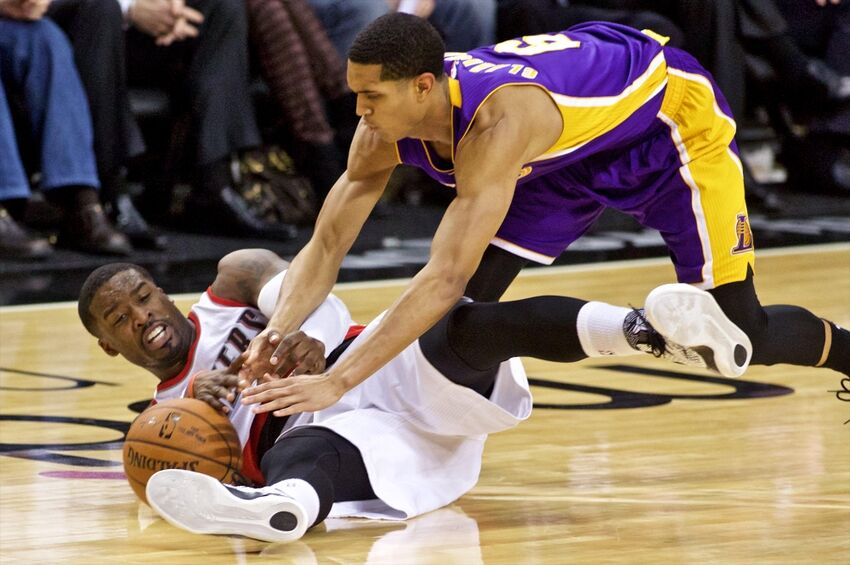 Portland Trail Blazers rout Los Angeles Lakers, 102-86