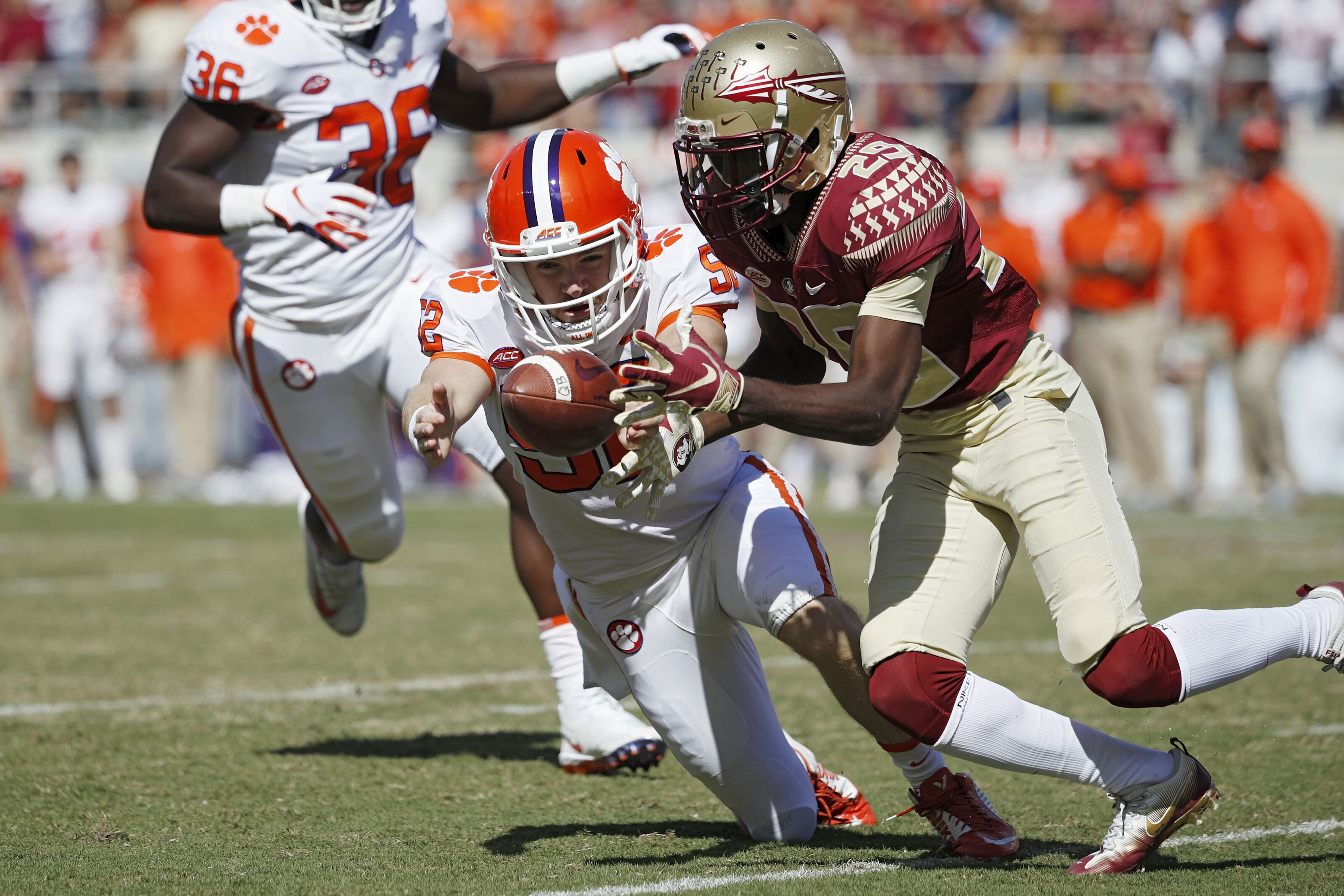 Clemson Football: Tigers take TE prospect from FSU's backyard