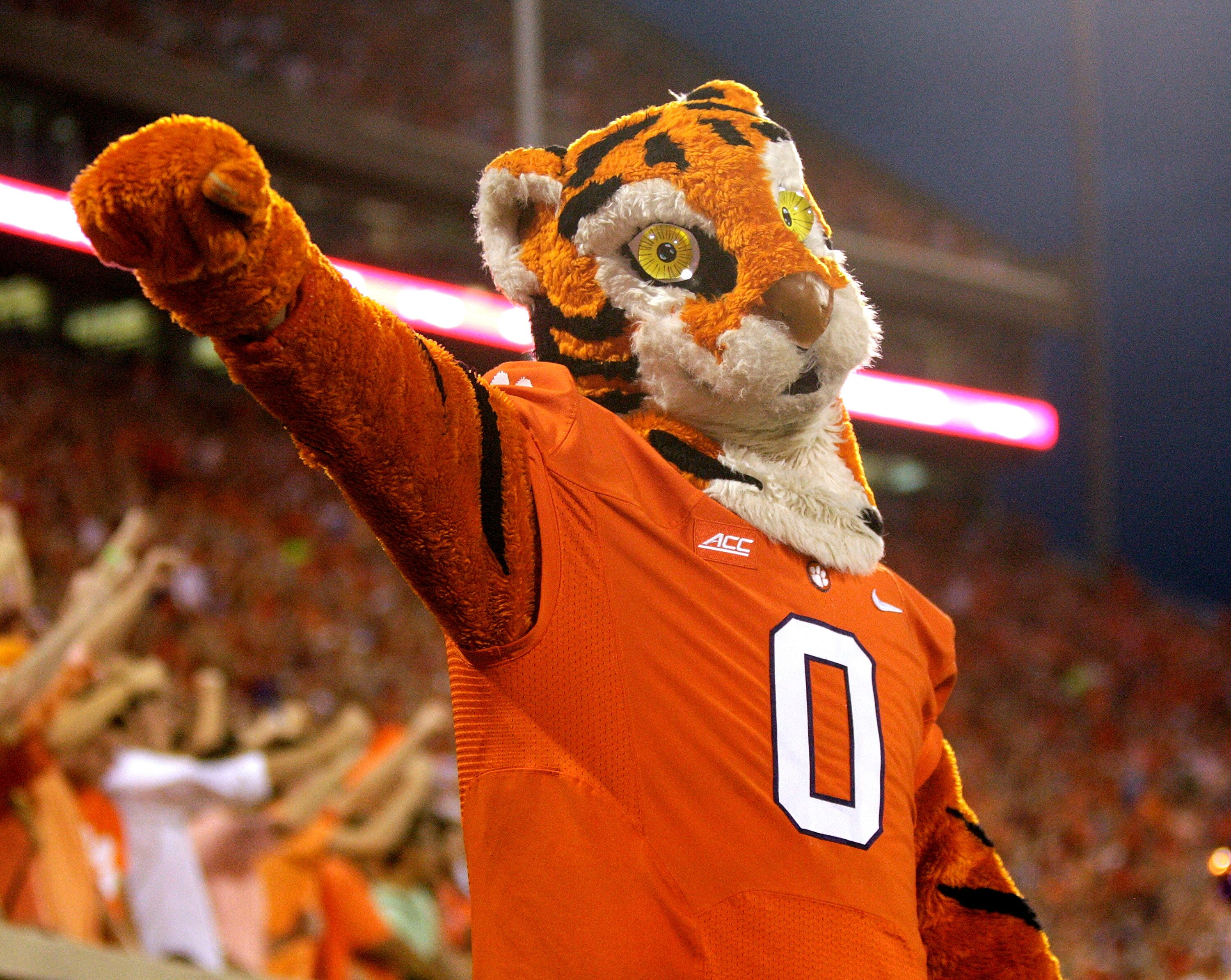 Clemson Football: How many pushups did the Tiger do vs ...