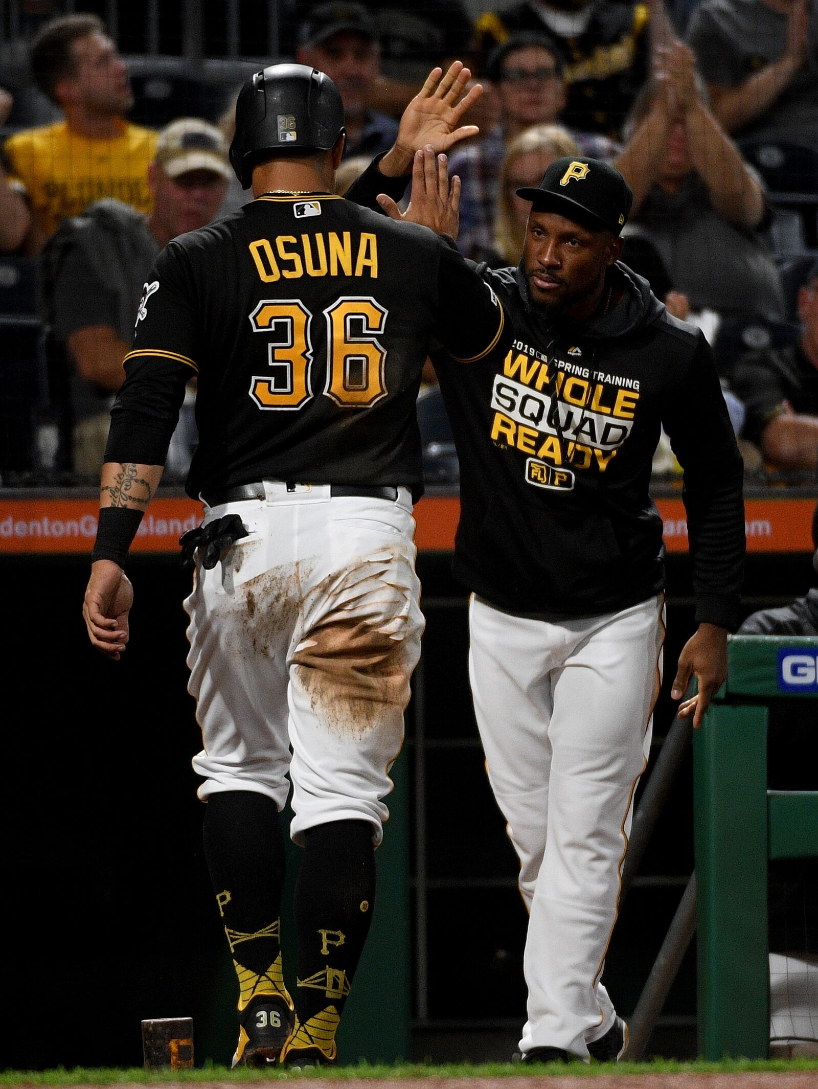 Pittsburgh Pirates Defeat Chicago Cubs 4-2