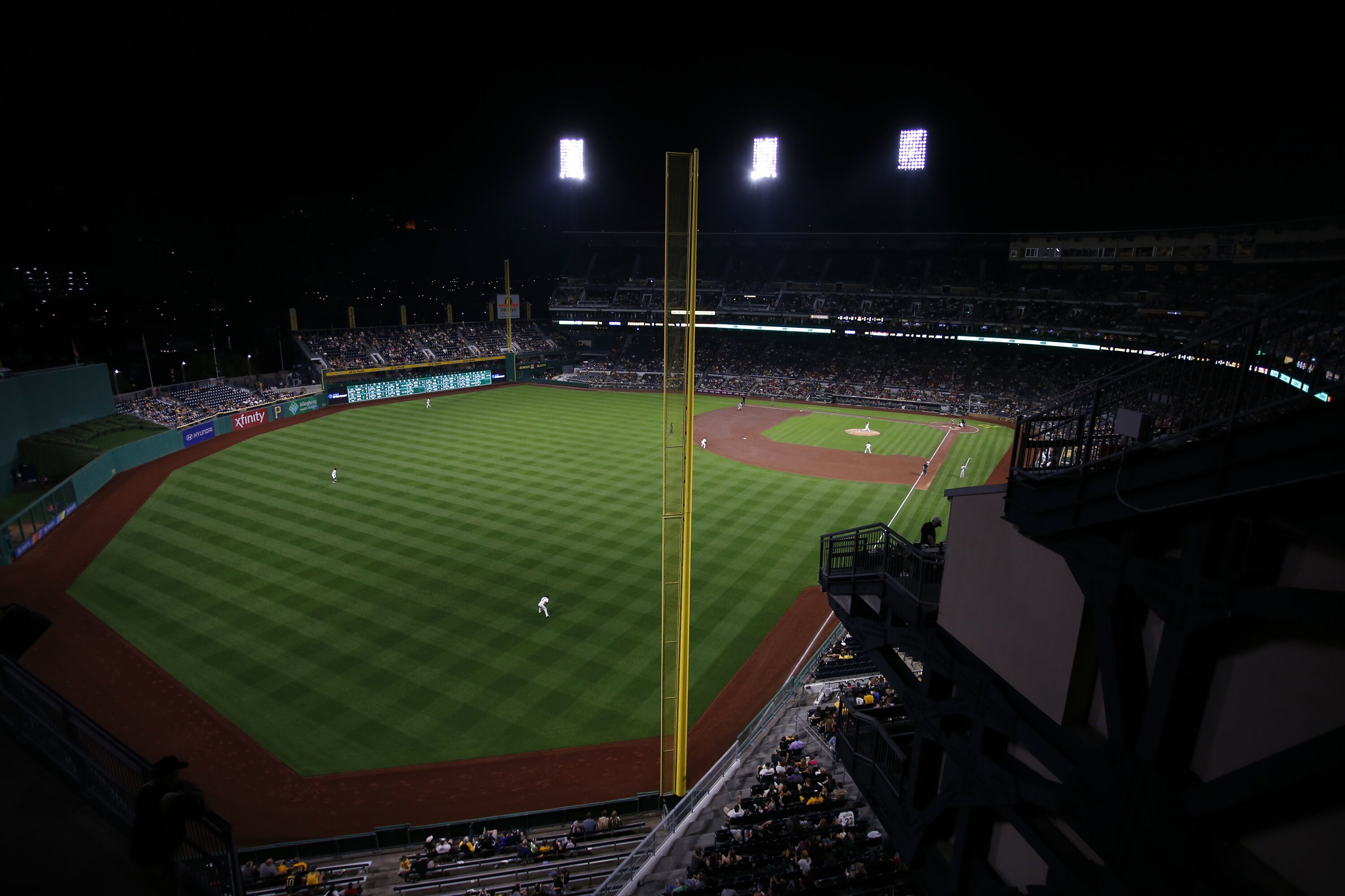 852046228-st-louis-cardinals-v-pittsburgh-pirates.jpg