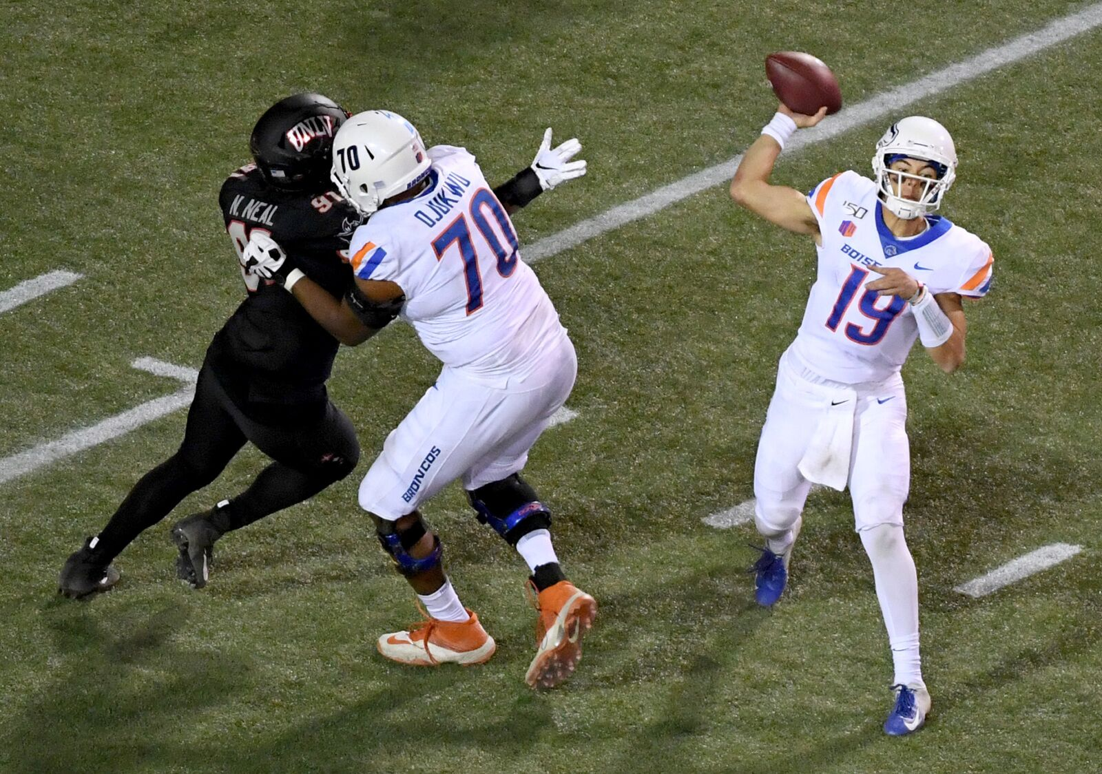 Boise State Football: Can Broncos get past high flying Hawaii in Week 7?