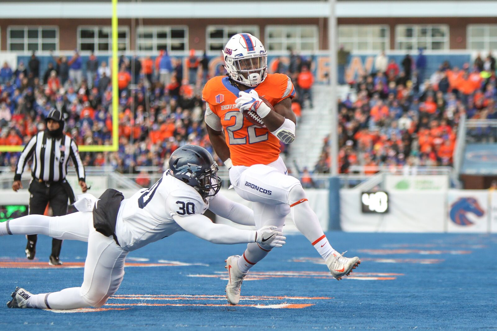 A huge selection of Boise State football tickets are available online at Official Ticket Reseller Vivid Seats! Get your Boise State Broncos football tickets today