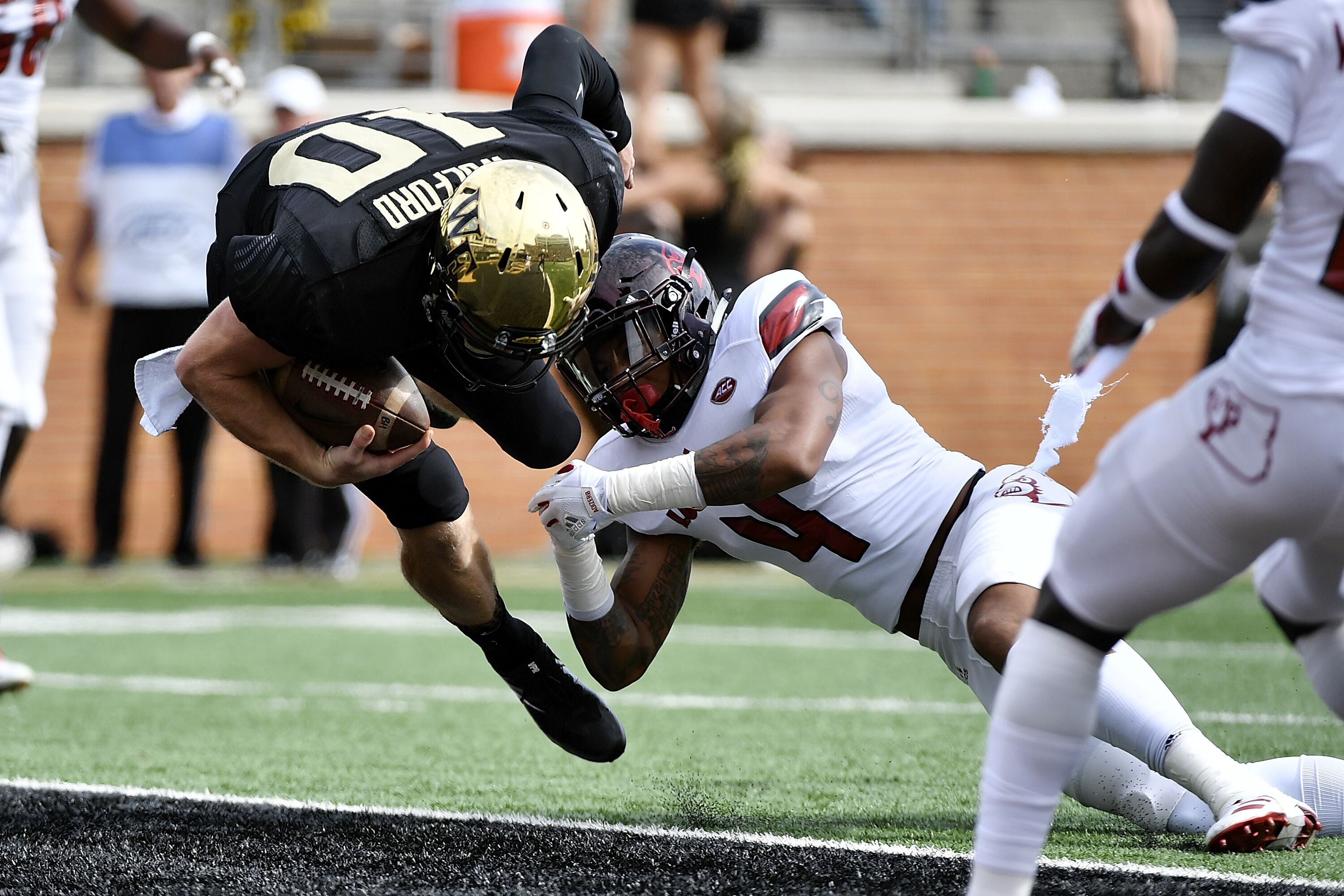 Complete Wake Forest Demon Deacons football team roster on ESPNcom including all players positions jersey numbers and class breakdown