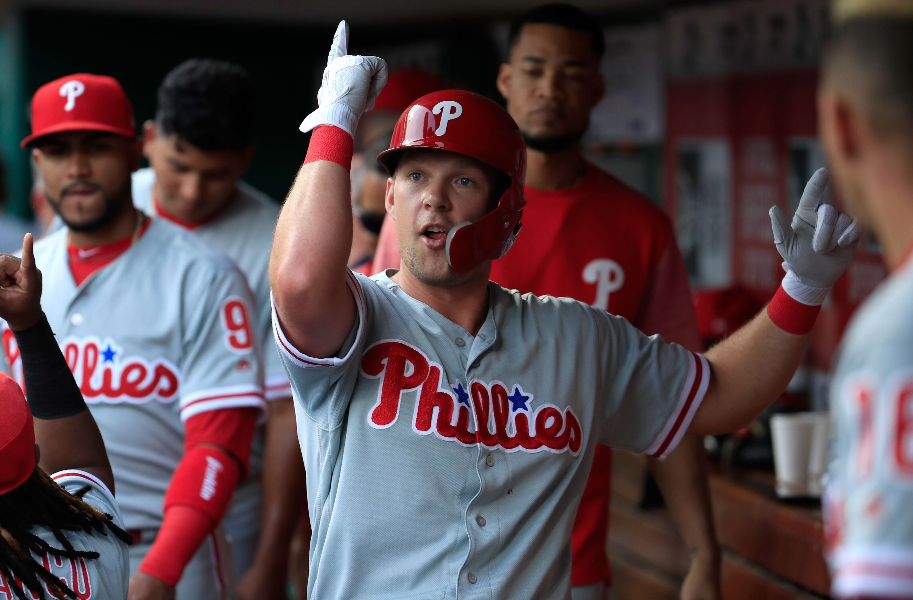 ad303739 Philadelphia Phillies Philes Vol 1.4: Holding down first
